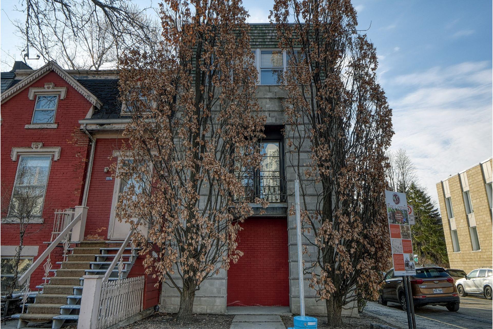 image 1 - Maison À vendre Le Sud-Ouest Montréal  - 10 pièces