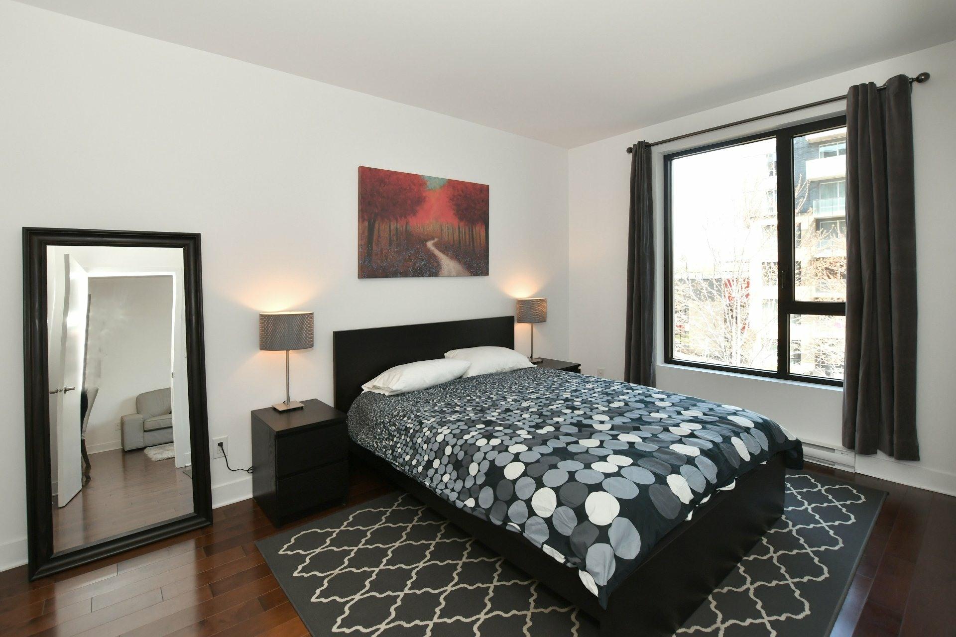 image 13 - Apartment For rent Côte-des-Neiges/Notre-Dame-de-Grâce Montréal  - 4 rooms