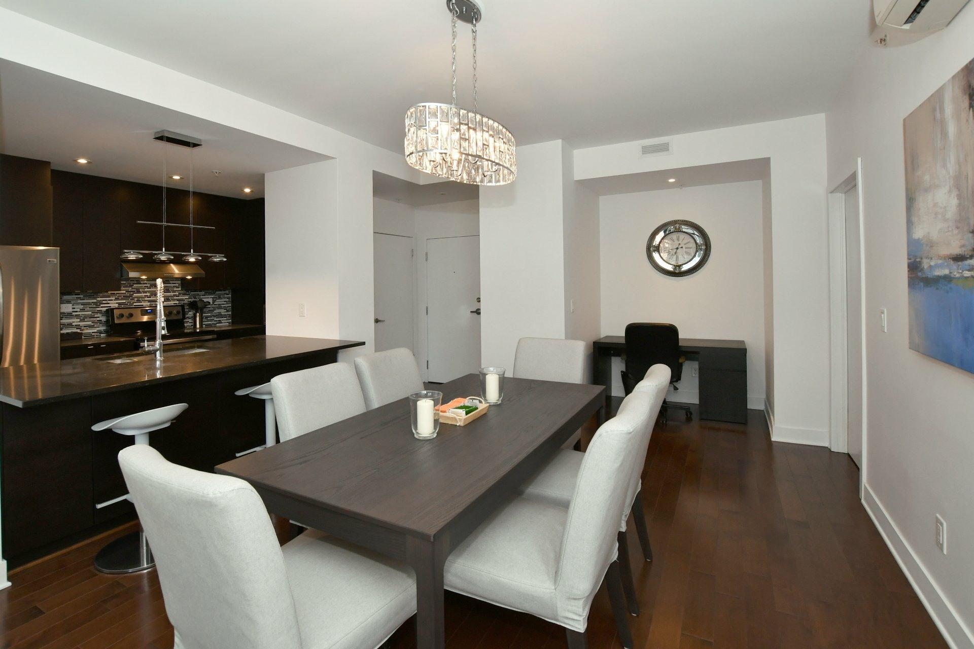 image 5 - Apartment For rent Côte-des-Neiges/Notre-Dame-de-Grâce Montréal  - 4 rooms