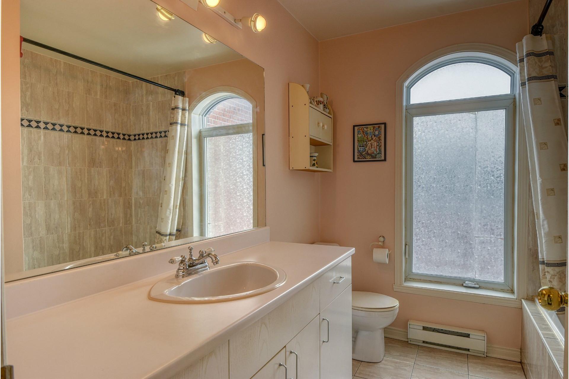image 17 - Apartment For rent Le Sud-Ouest Montréal  - 7 rooms