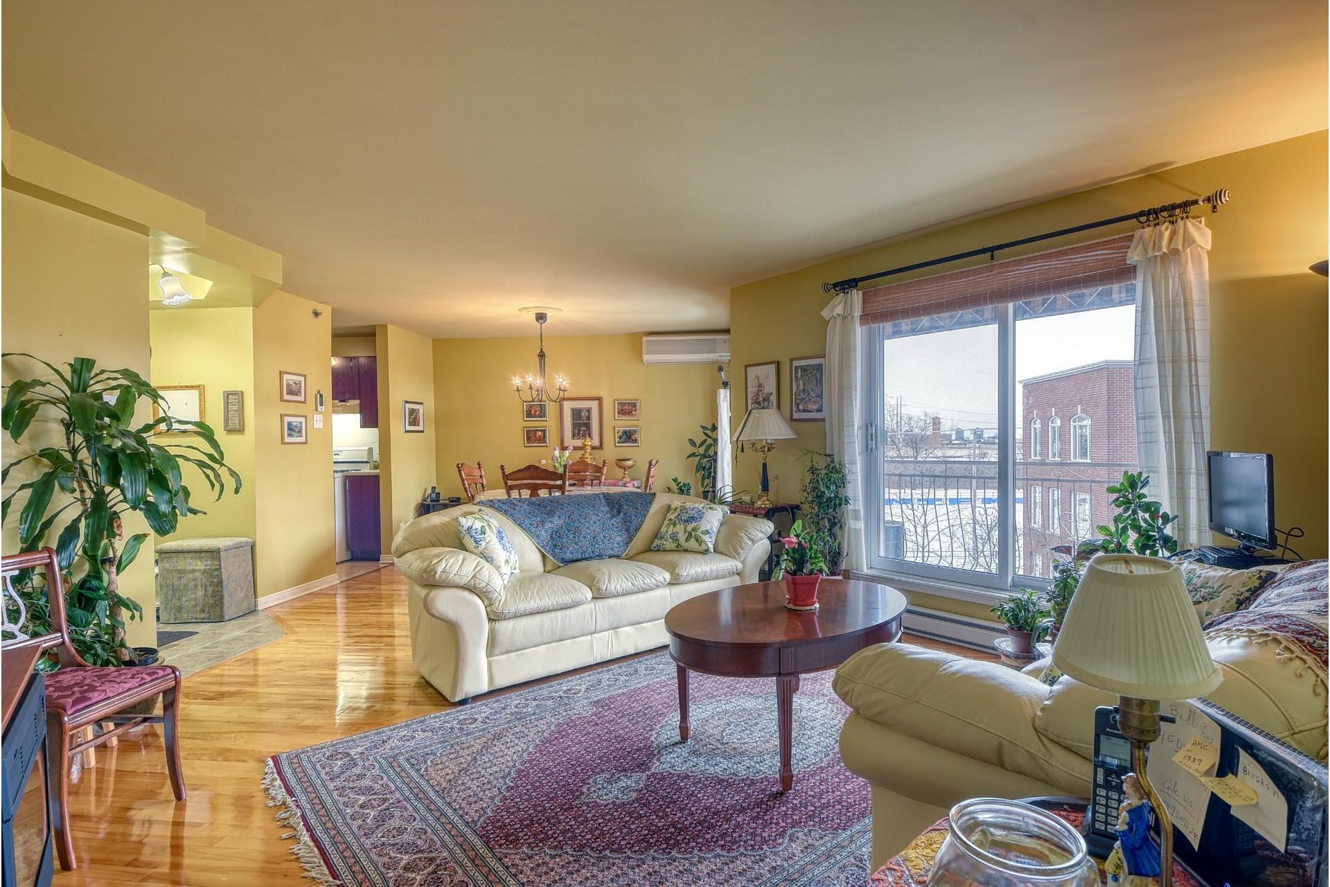 image 12 - Apartment For rent Le Sud-Ouest Montréal  - 7 rooms
