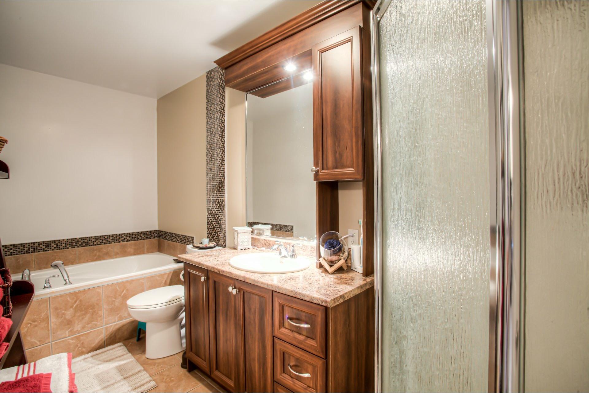 image 8 - Apartment For sale Pointe-des-Cascades - 6 rooms