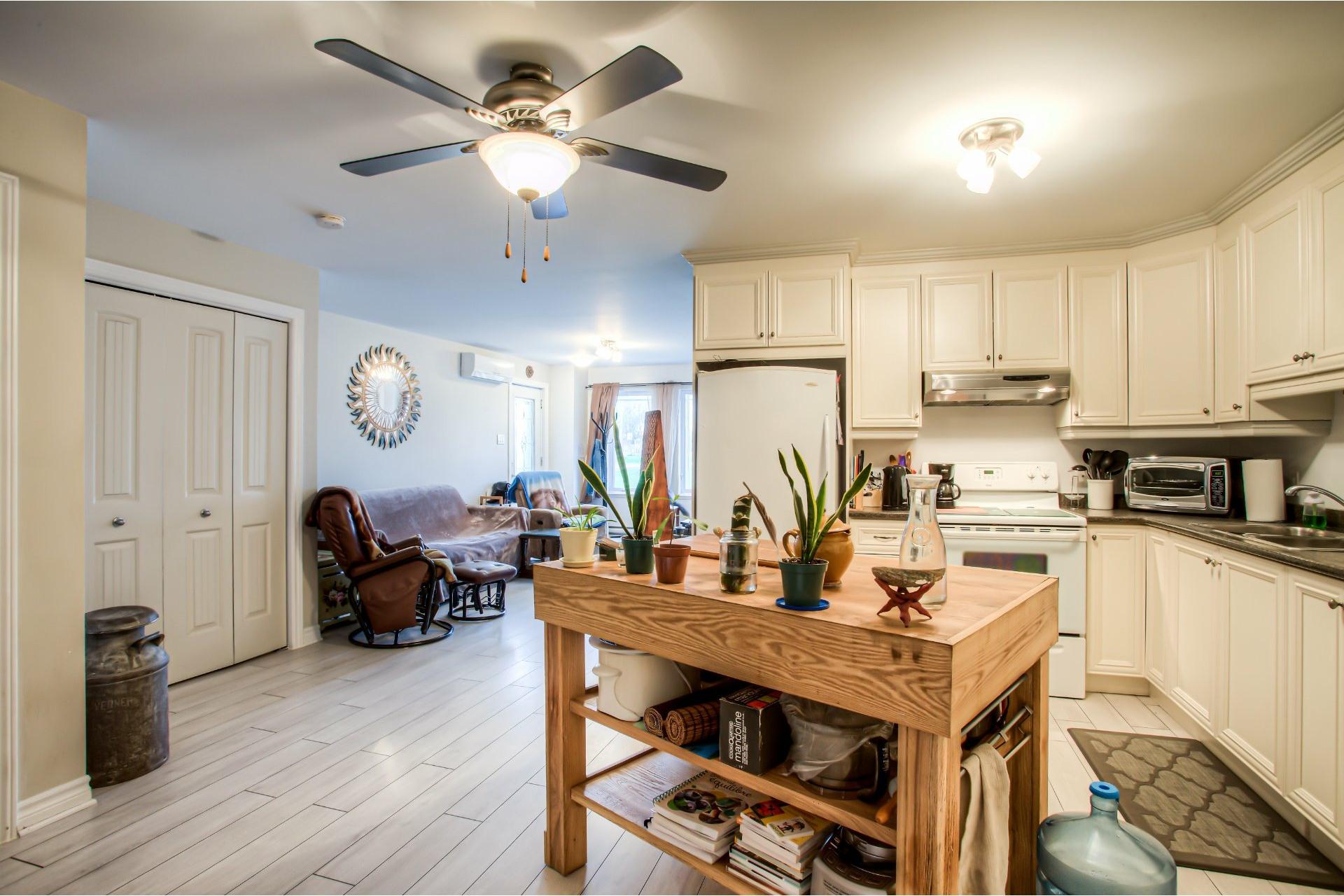 image 5 - Apartment For sale Pointe-des-Cascades - 6 rooms