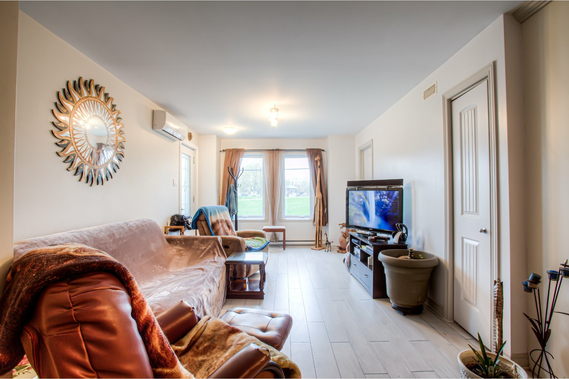 image 1 - Apartment For sale Pointe-des-Cascades - 6 rooms