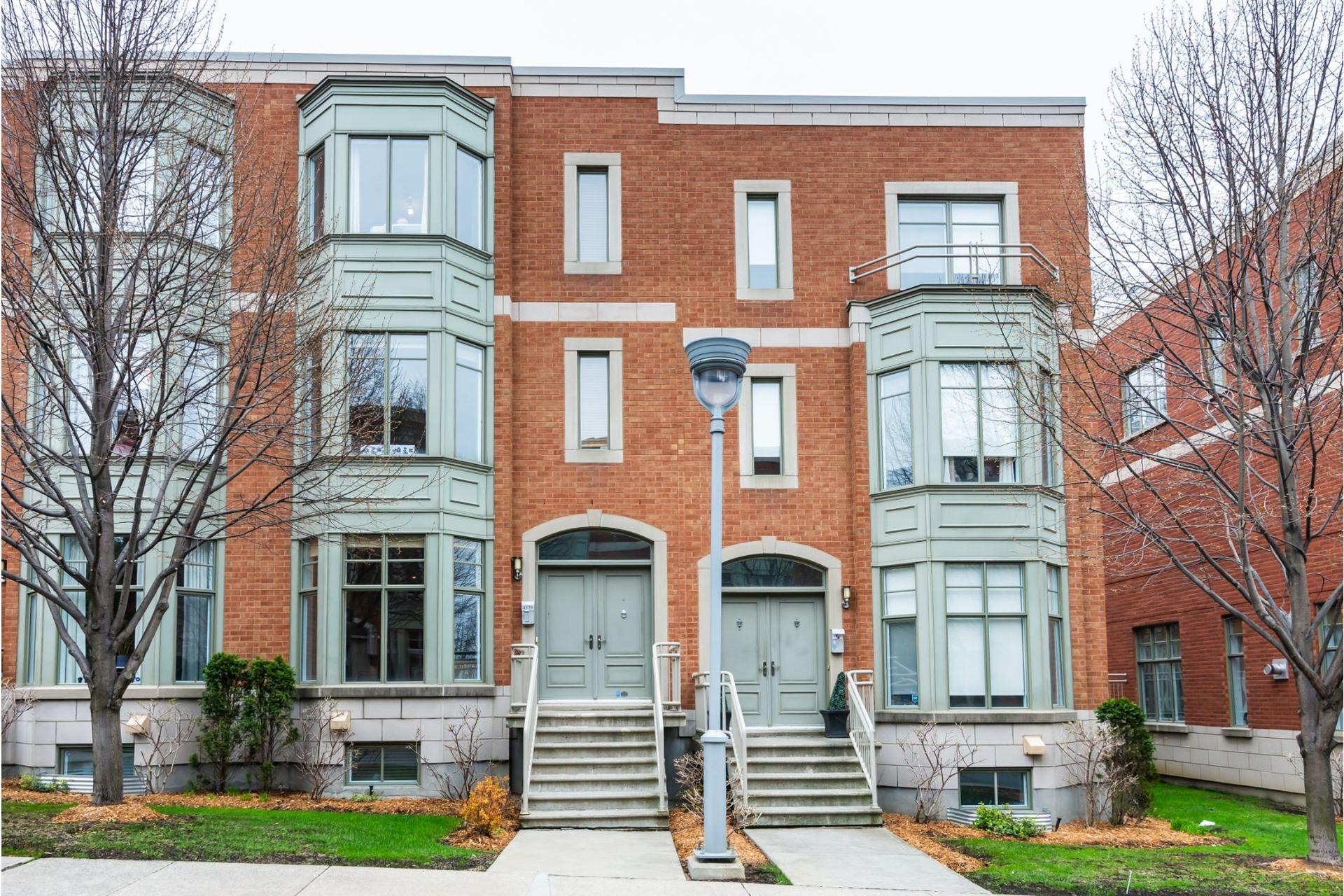 image 0 - House For sale Côte-des-Neiges/Notre-Dame-de-Grâce Montréal  - 11 rooms