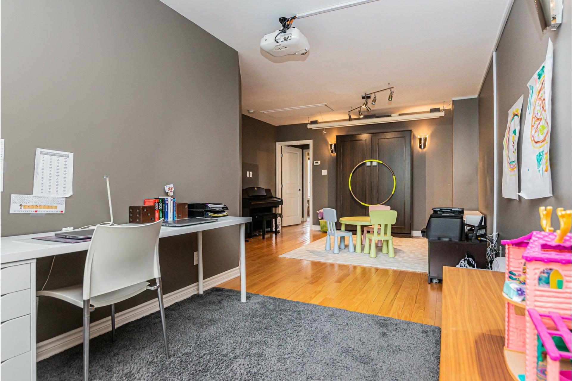 image 27 - Maison À vendre Côte-des-Neiges/Notre-Dame-de-Grâce Montréal  - 11 pièces