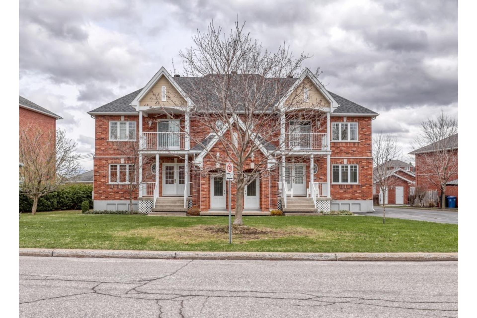 image 1 - Apartment For sale Notre-Dame-des-Prairies - 11 rooms