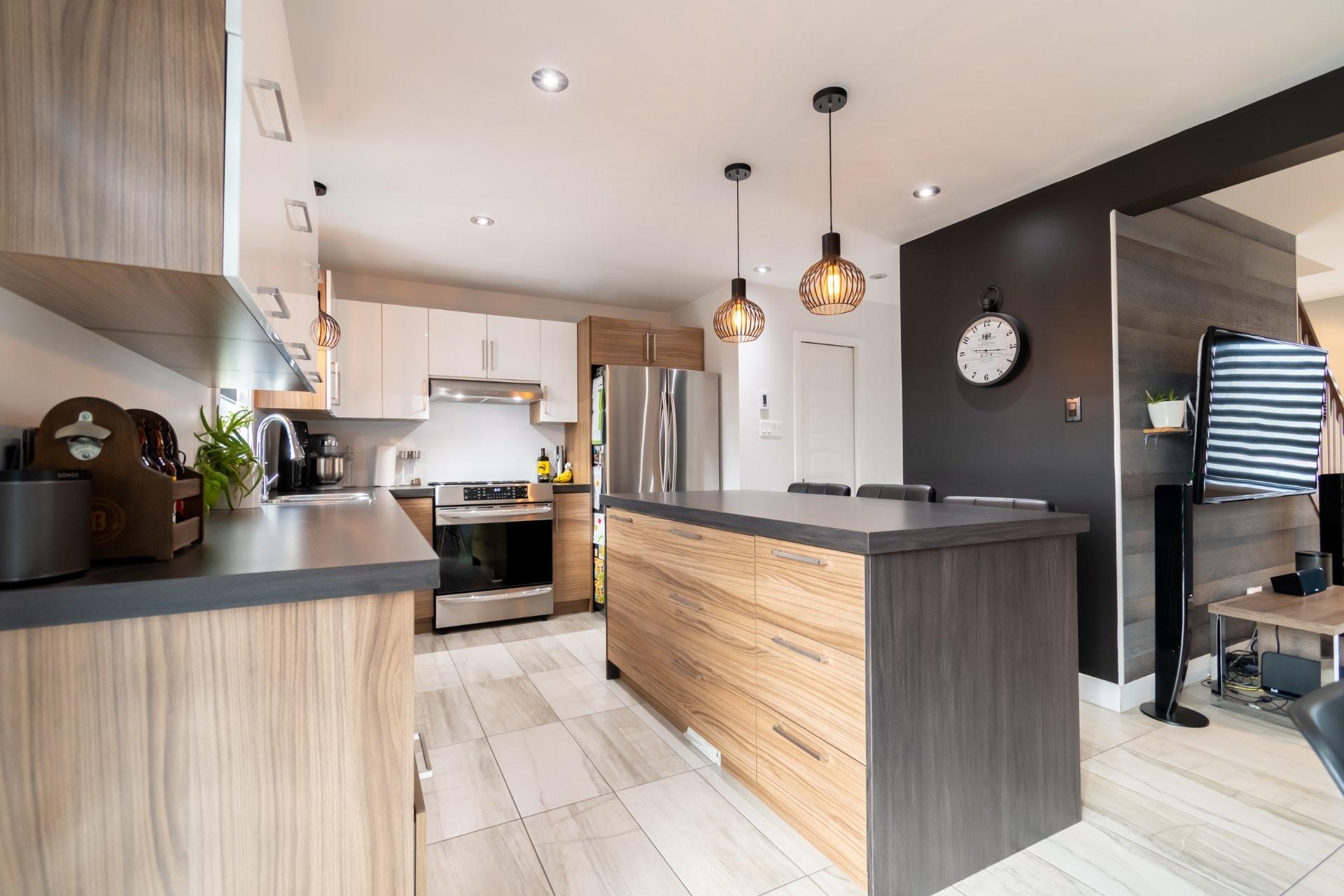 image 3 - House For sale Trois-Rivières - 9 rooms