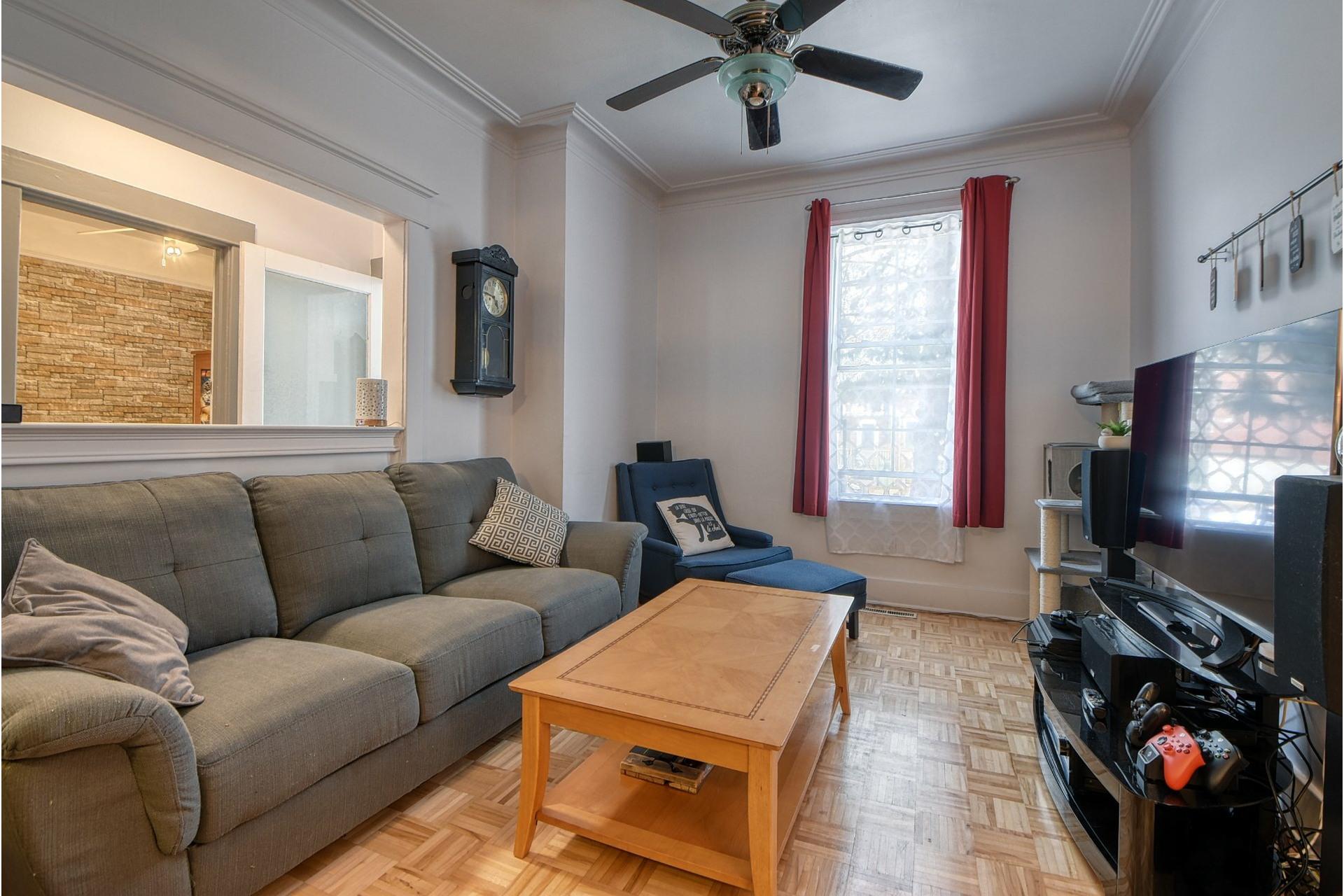image 1 - Triplex For sale Le Sud-Ouest Montréal  - 9 rooms