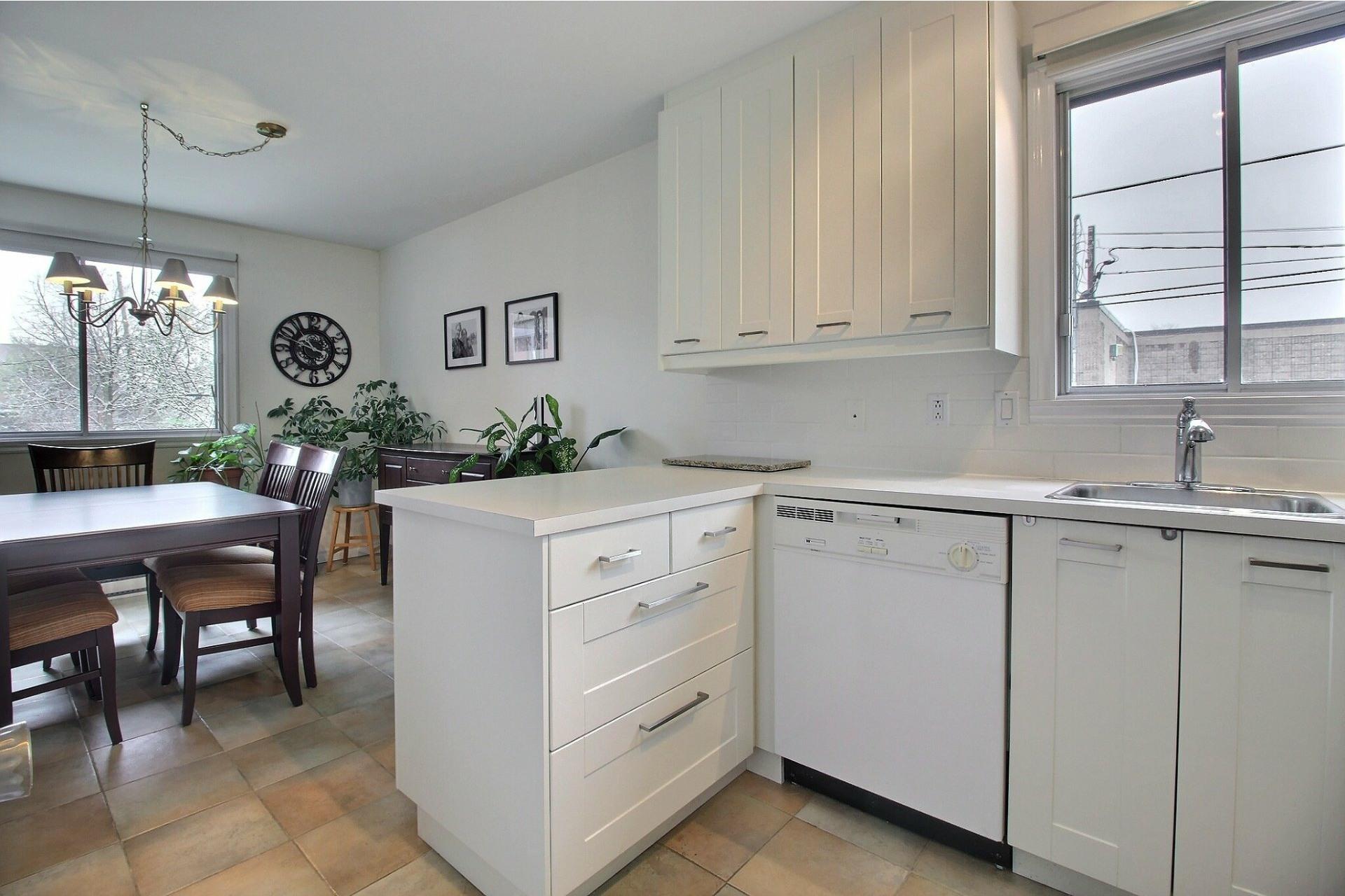 image 8 - Appartement À vendre Rivière-des-Prairies/Pointe-aux-Trembles Montréal  - 5 pièces