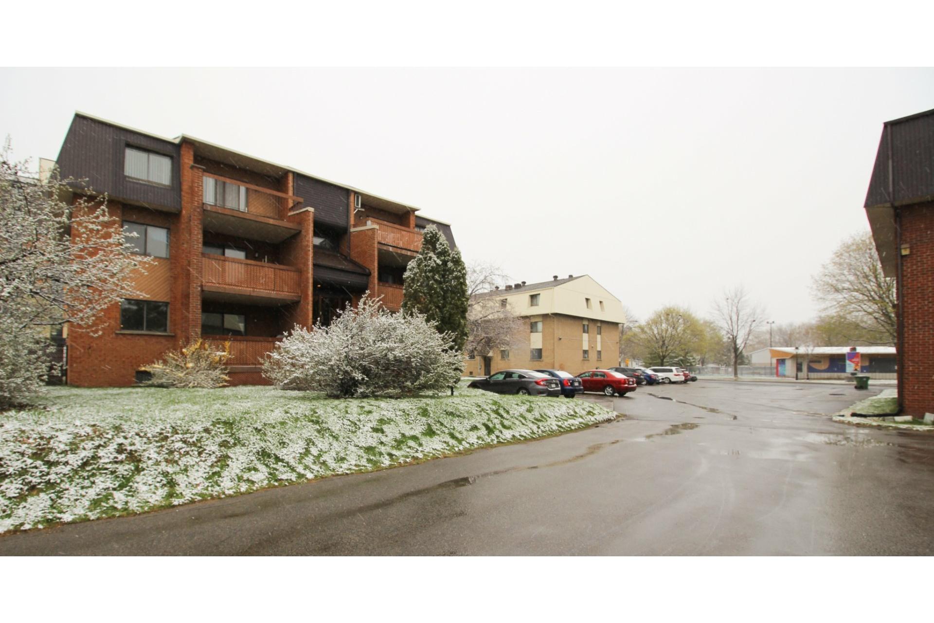 image 26 - Appartement À vendre Rivière-des-Prairies/Pointe-aux-Trembles Montréal  - 5 pièces