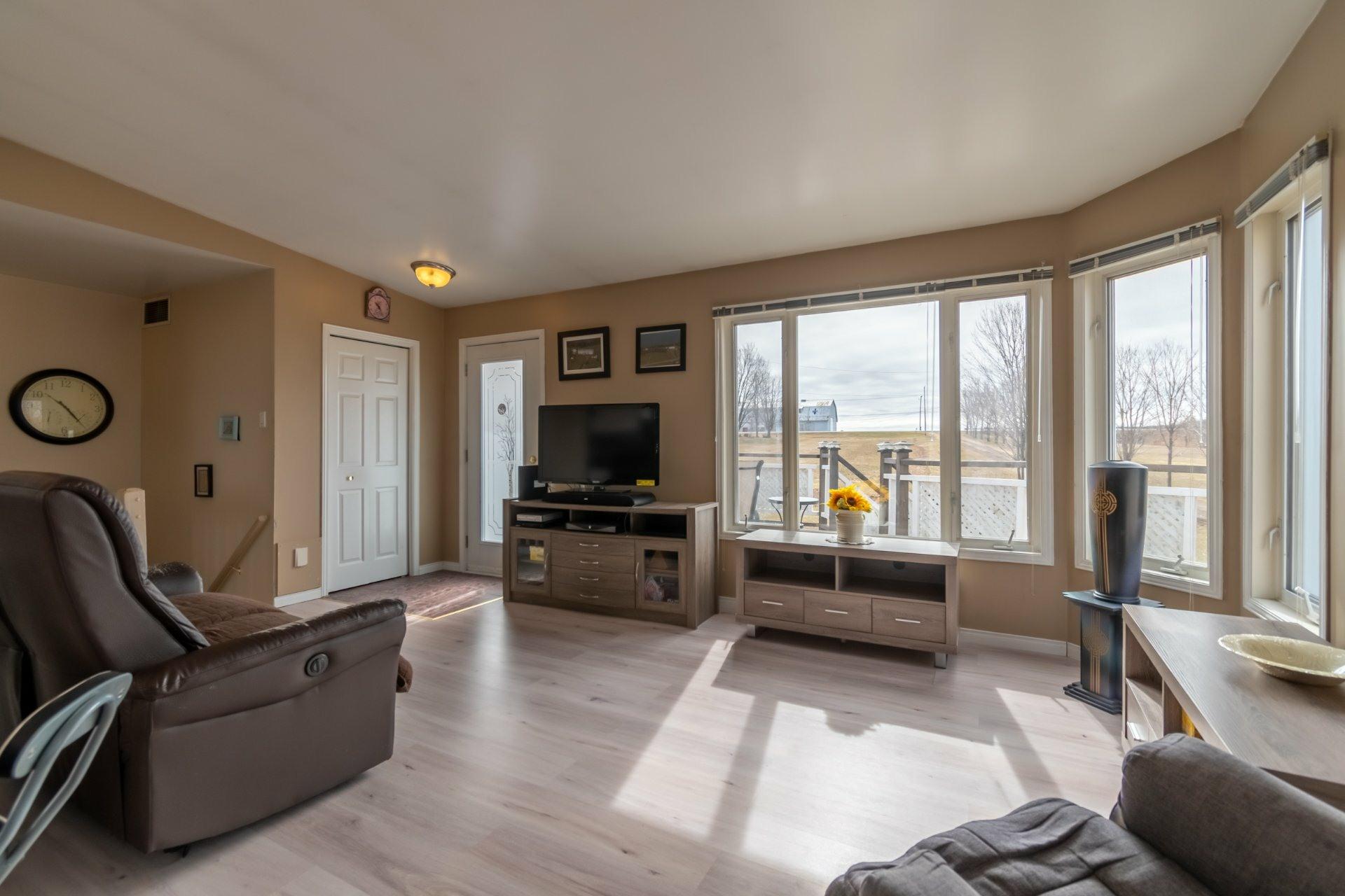 image 4 - House For sale Saint-Pierre-les-Becquets - 11 rooms