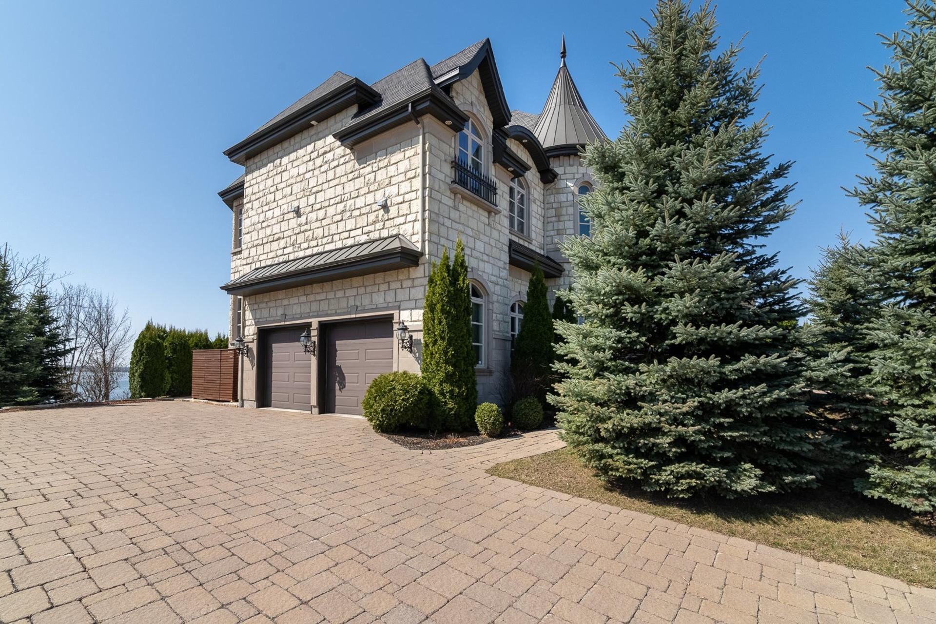 image 3 - House For sale Notre-Dame-de-l'Île-Perrot - 17 rooms