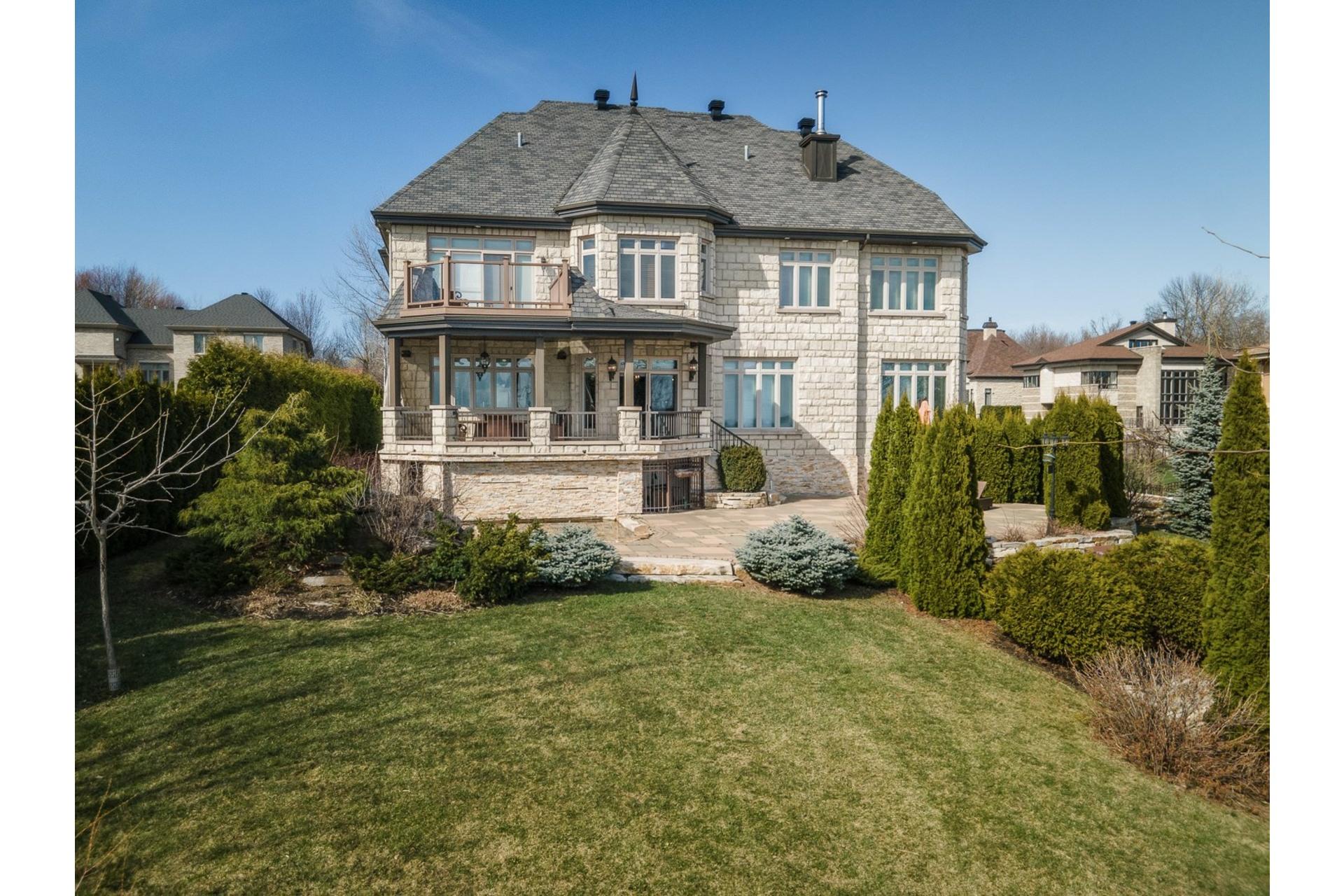 image 2 - Maison À vendre Notre-Dame-de-l'Île-Perrot - 17 pièces