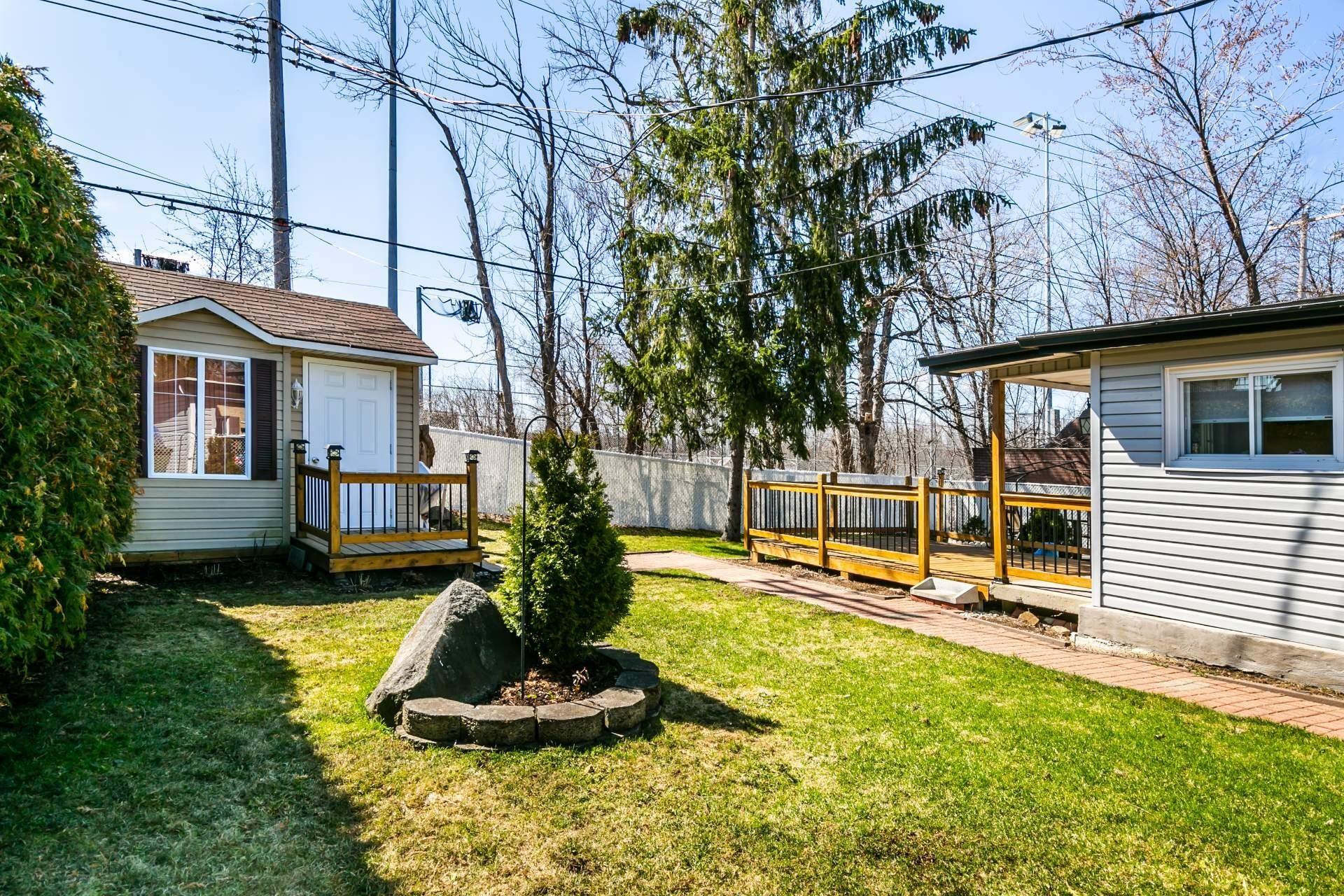 image 22 - Maison À vendre Rivière-des-Prairies/Pointe-aux-Trembles Montréal  - 7 pièces