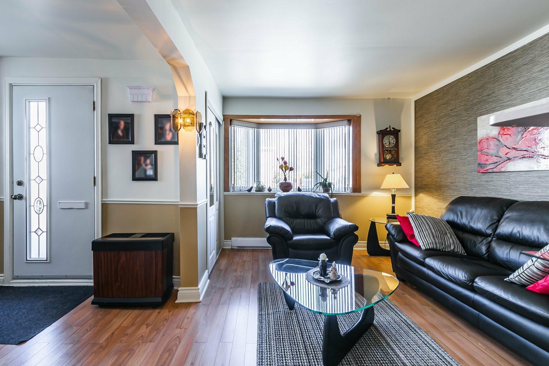 image 5 - Maison À vendre Rivière-des-Prairies/Pointe-aux-Trembles Montréal  - 7 pièces