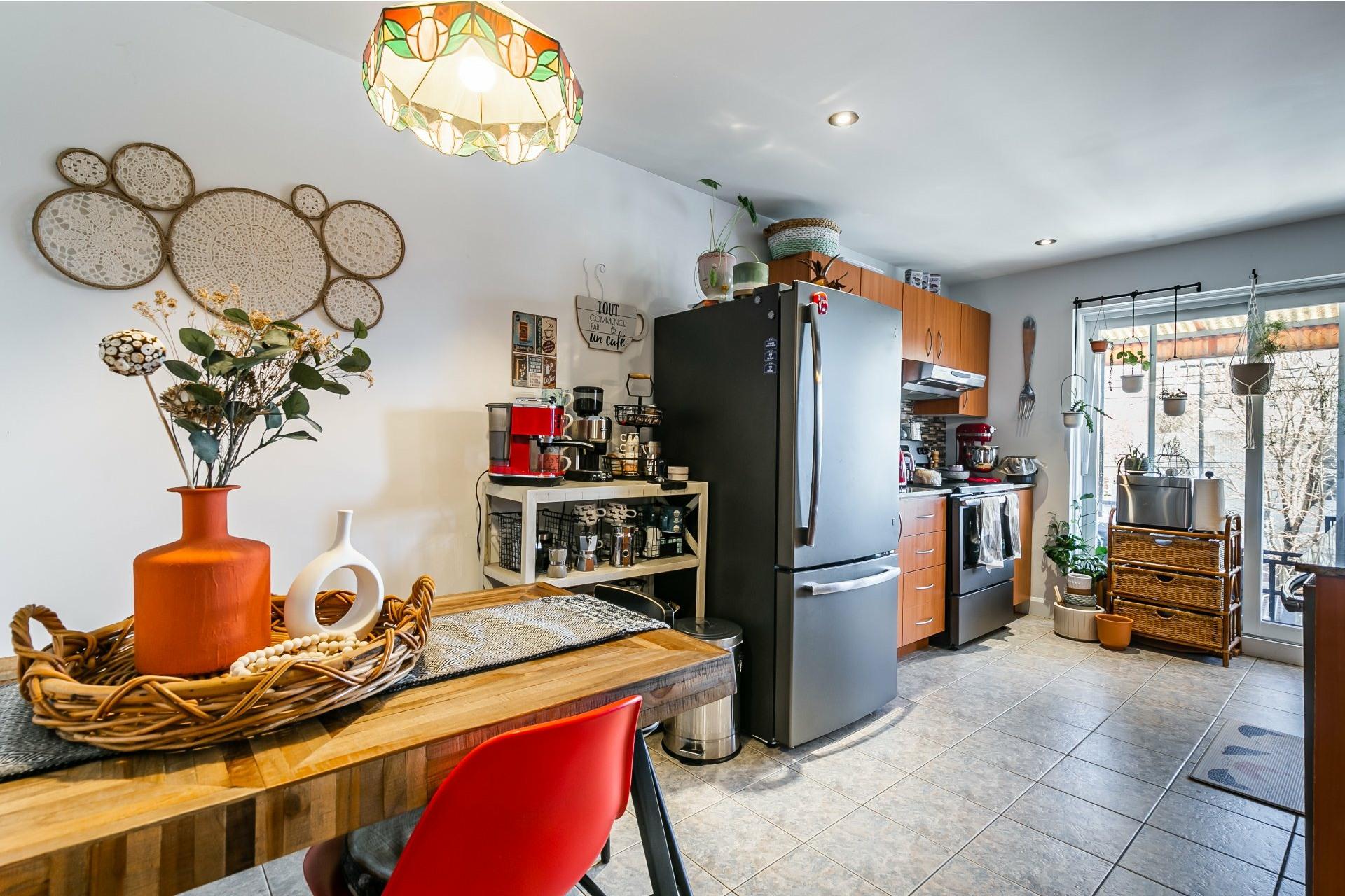 image 5 - Appartement À louer Anjou Montréal  - 5 pièces
