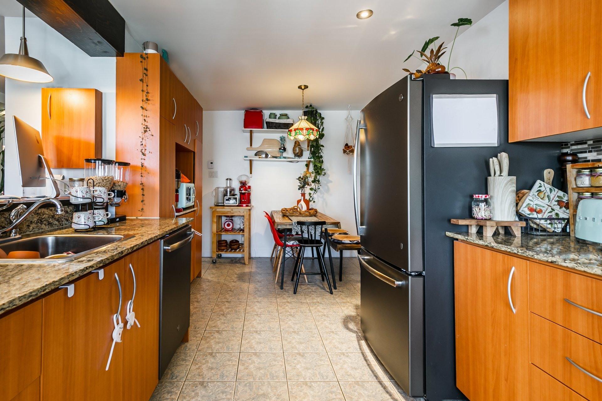 image 9 - Appartement À louer Anjou Montréal  - 5 pièces