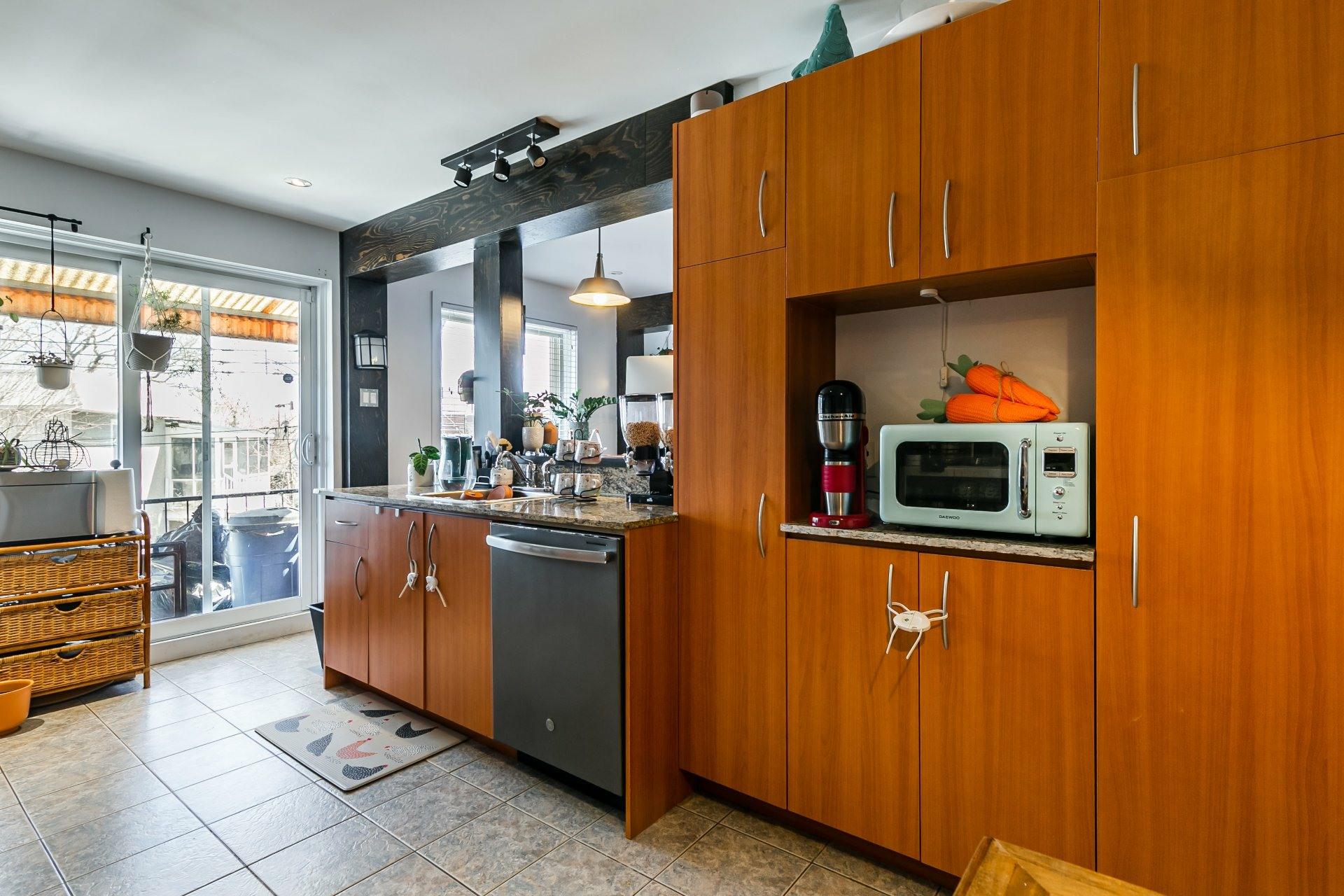 image 6 - Appartement À louer Anjou Montréal  - 5 pièces