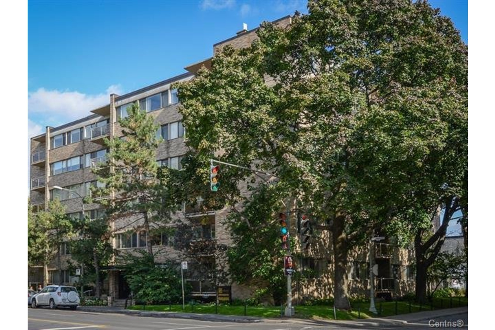 image 1 - Apartment For rent Westmount - 6 rooms