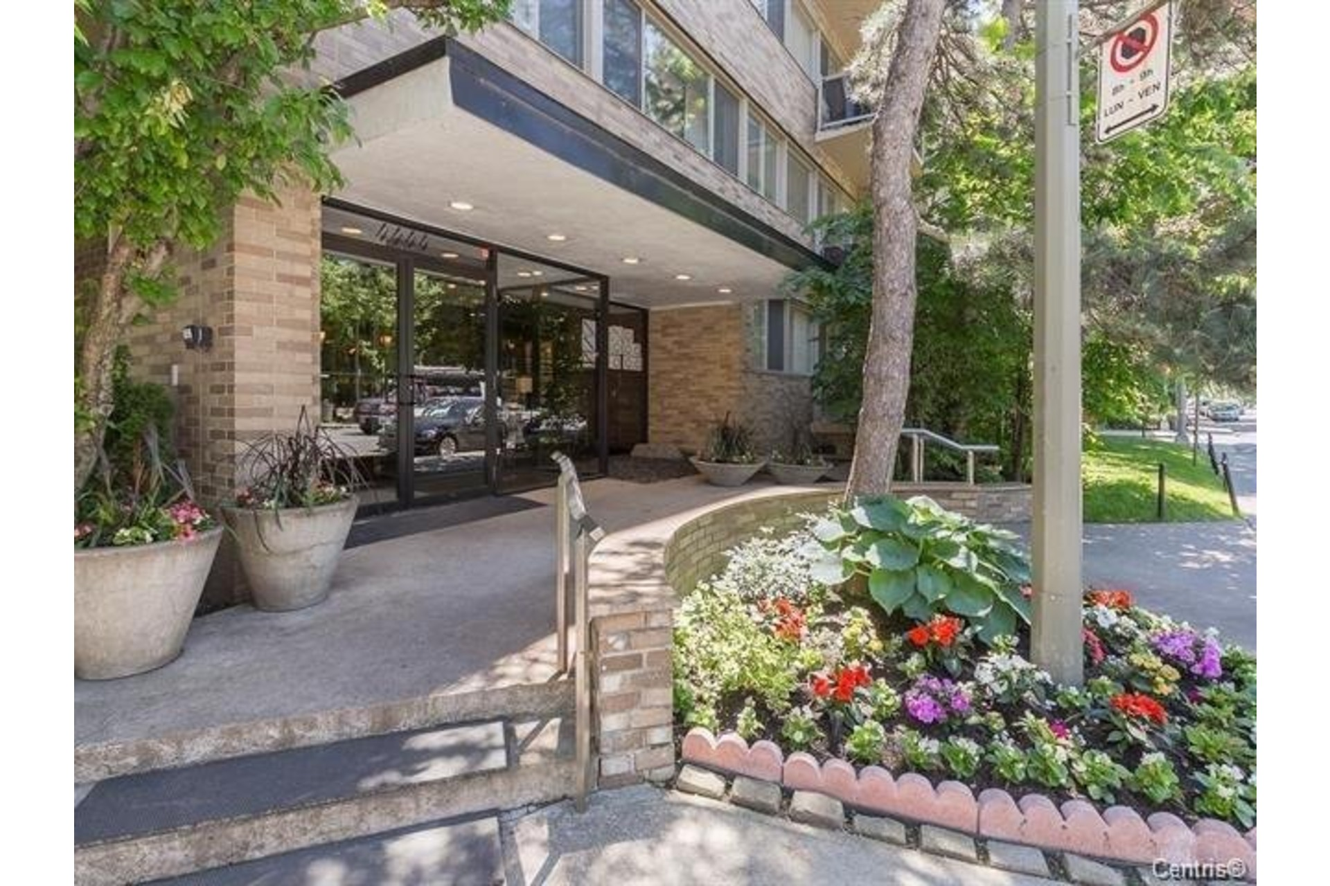 image 0 - Apartment For rent Westmount - 6 rooms