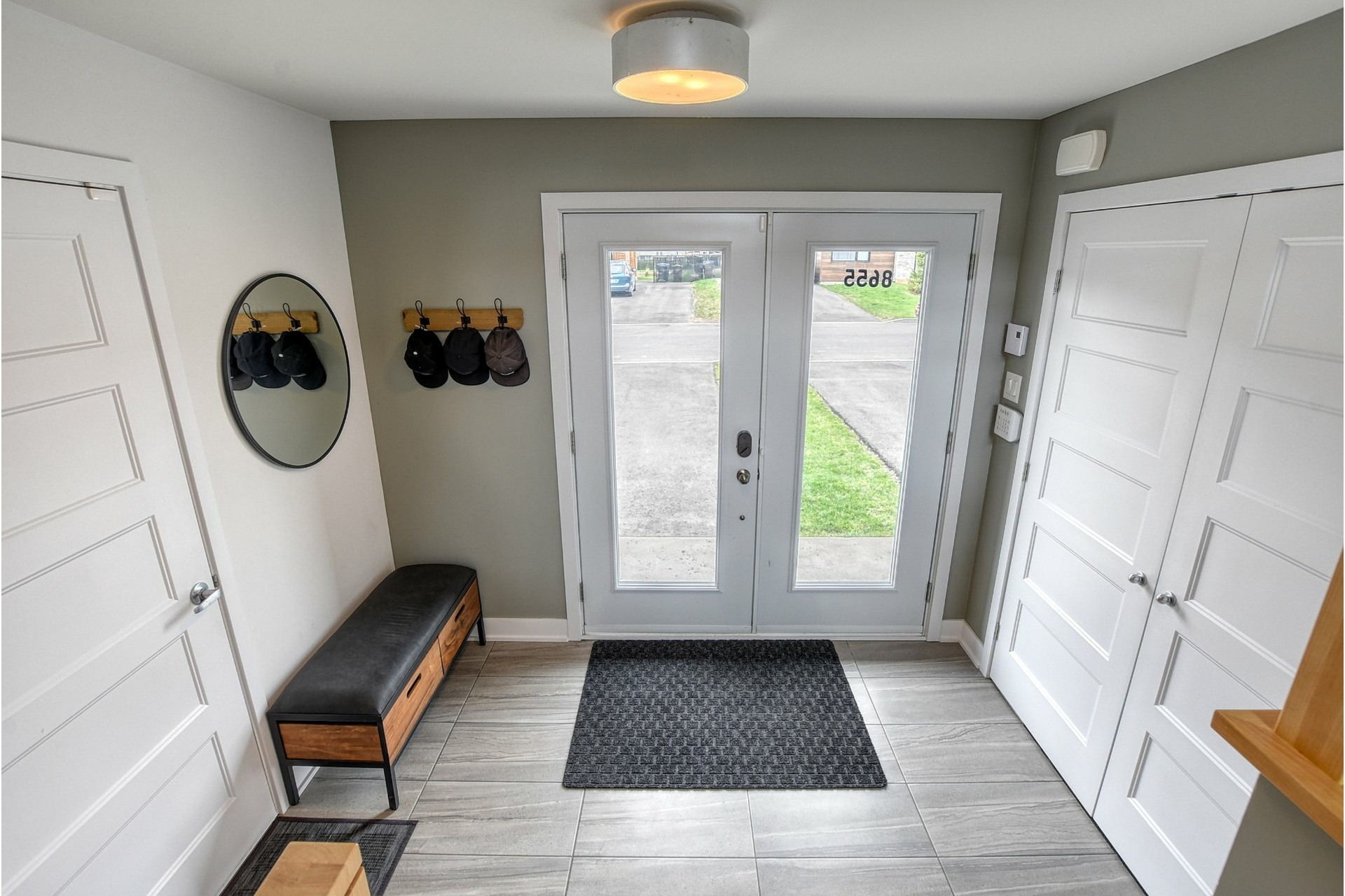 image 1 - House For sale Mirabel - 9 rooms