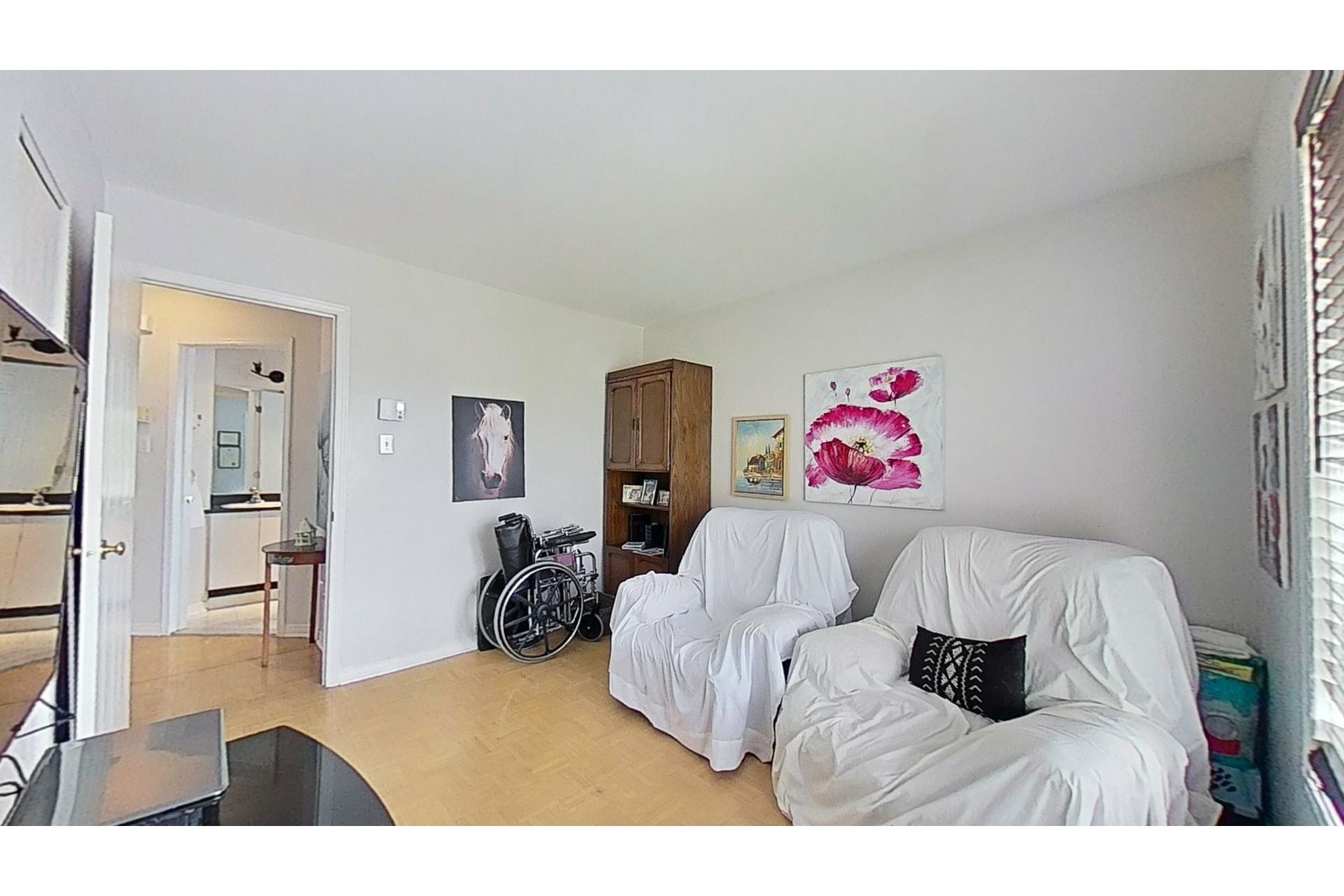 image 14 - House For sale Saint-Constant - 12 rooms