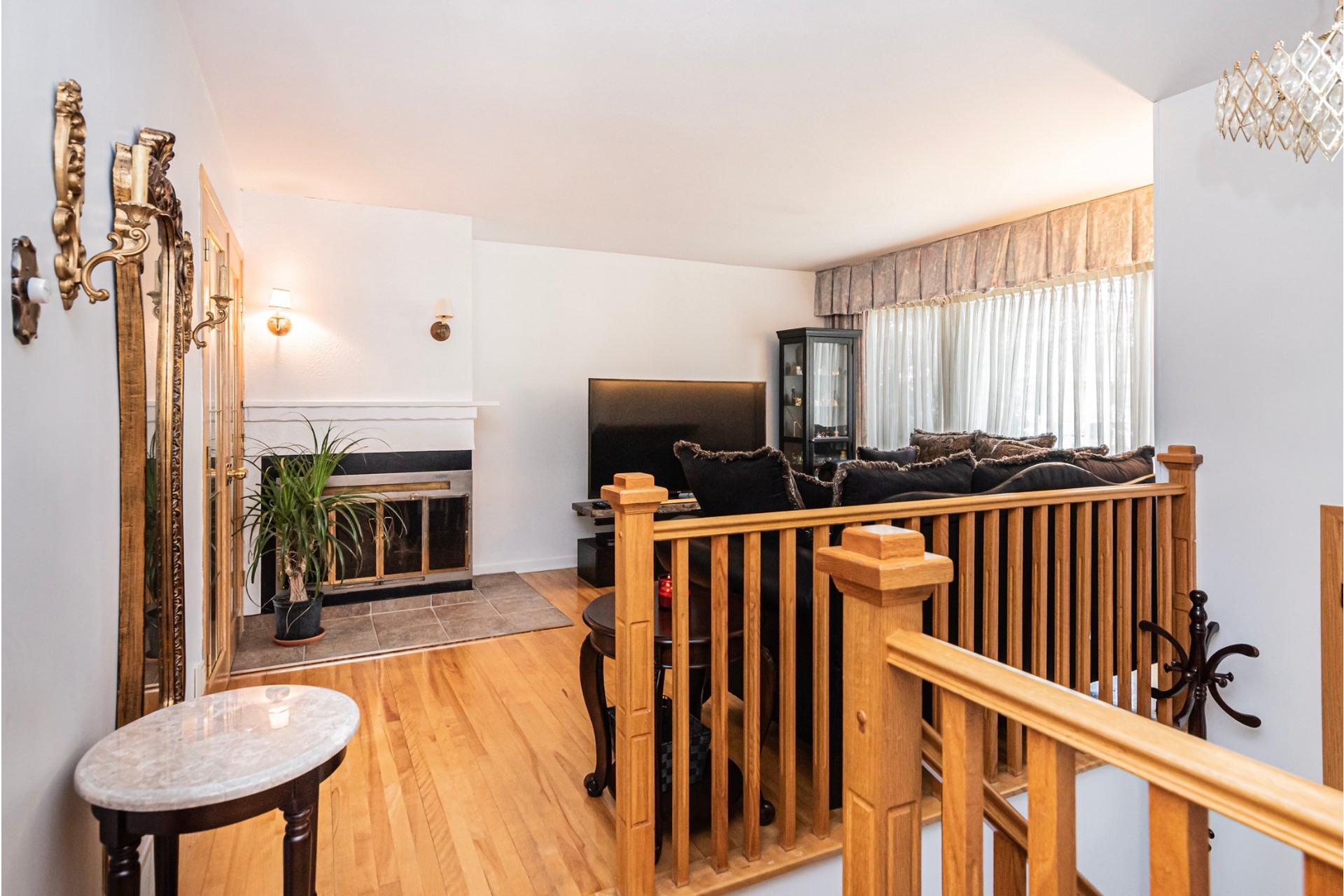 image 5 - House For sale Laval-des-Rapides Laval  - 9 rooms