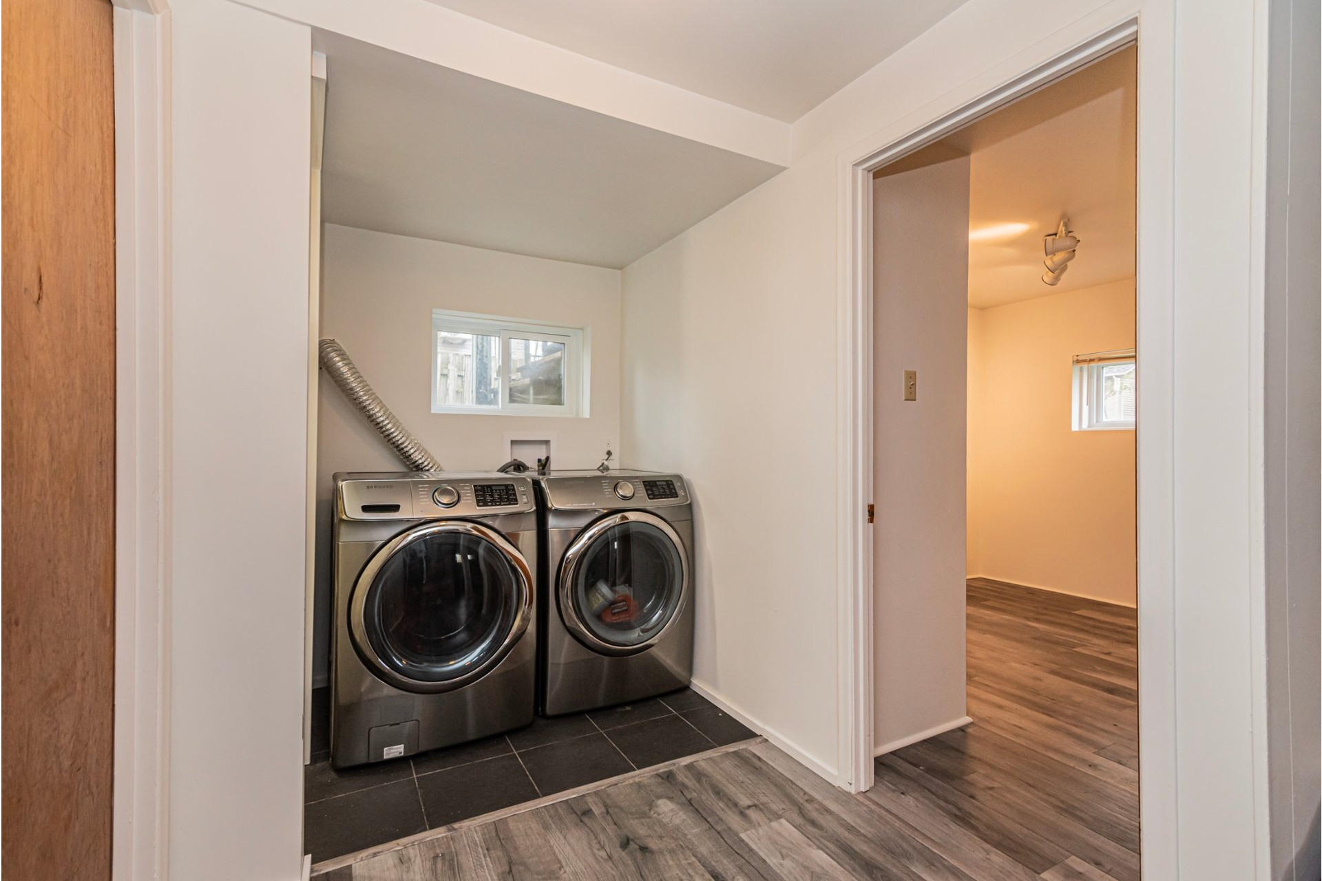 image 21 - House For sale Laval-des-Rapides Laval  - 9 rooms