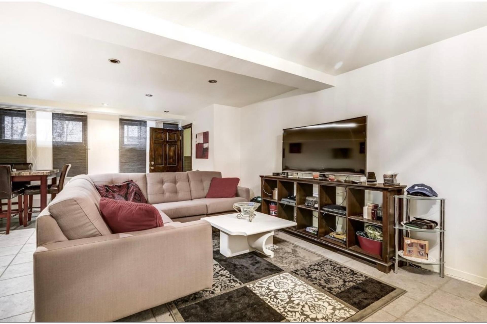 image 0 - Apartment For rent Côte-des-Neiges/Notre-Dame-de-Grâce Montréal  - 5 rooms