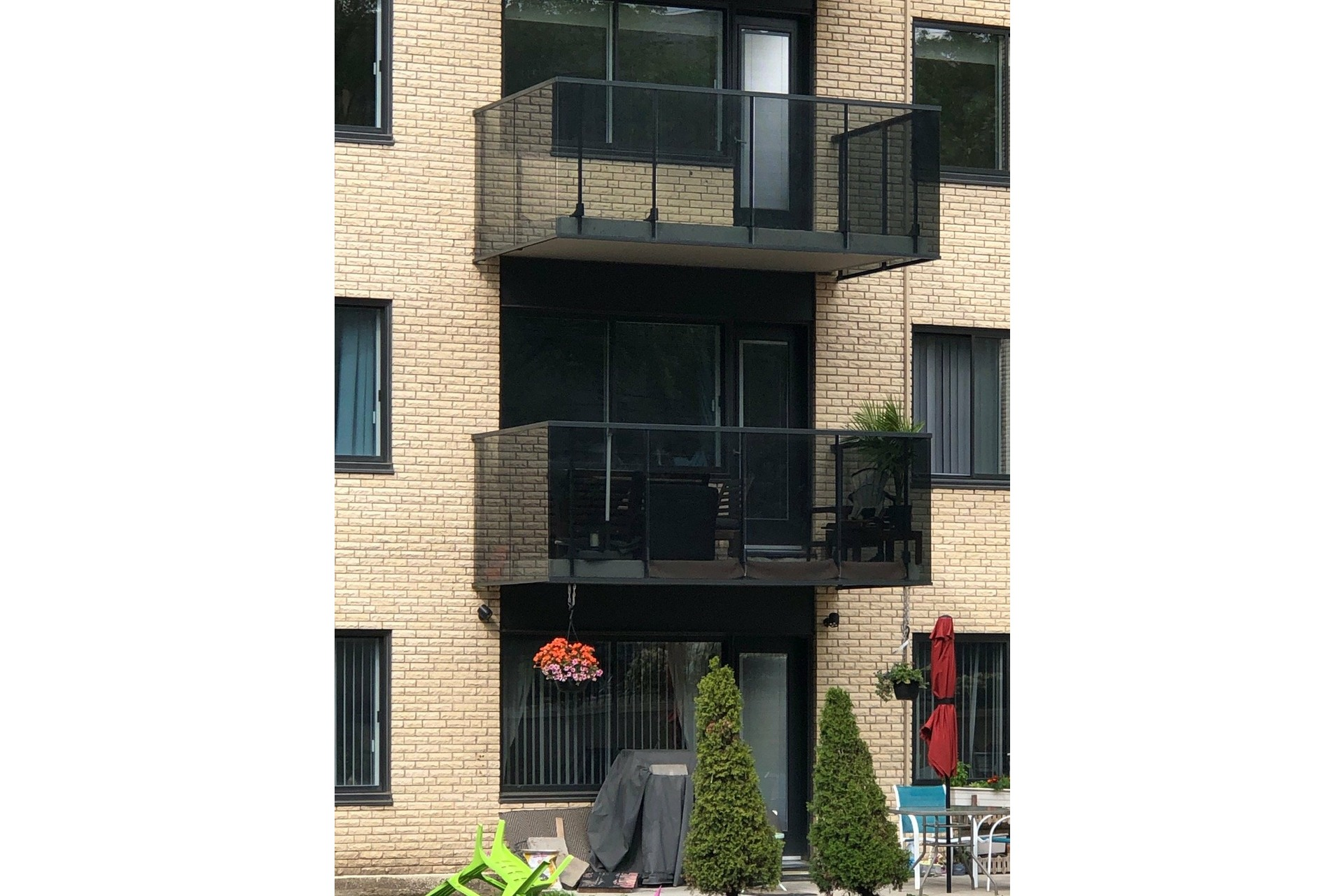 image 13 - Appartement À louer Côte-des-Neiges/Notre-Dame-de-Grâce Montréal  - 5 pièces