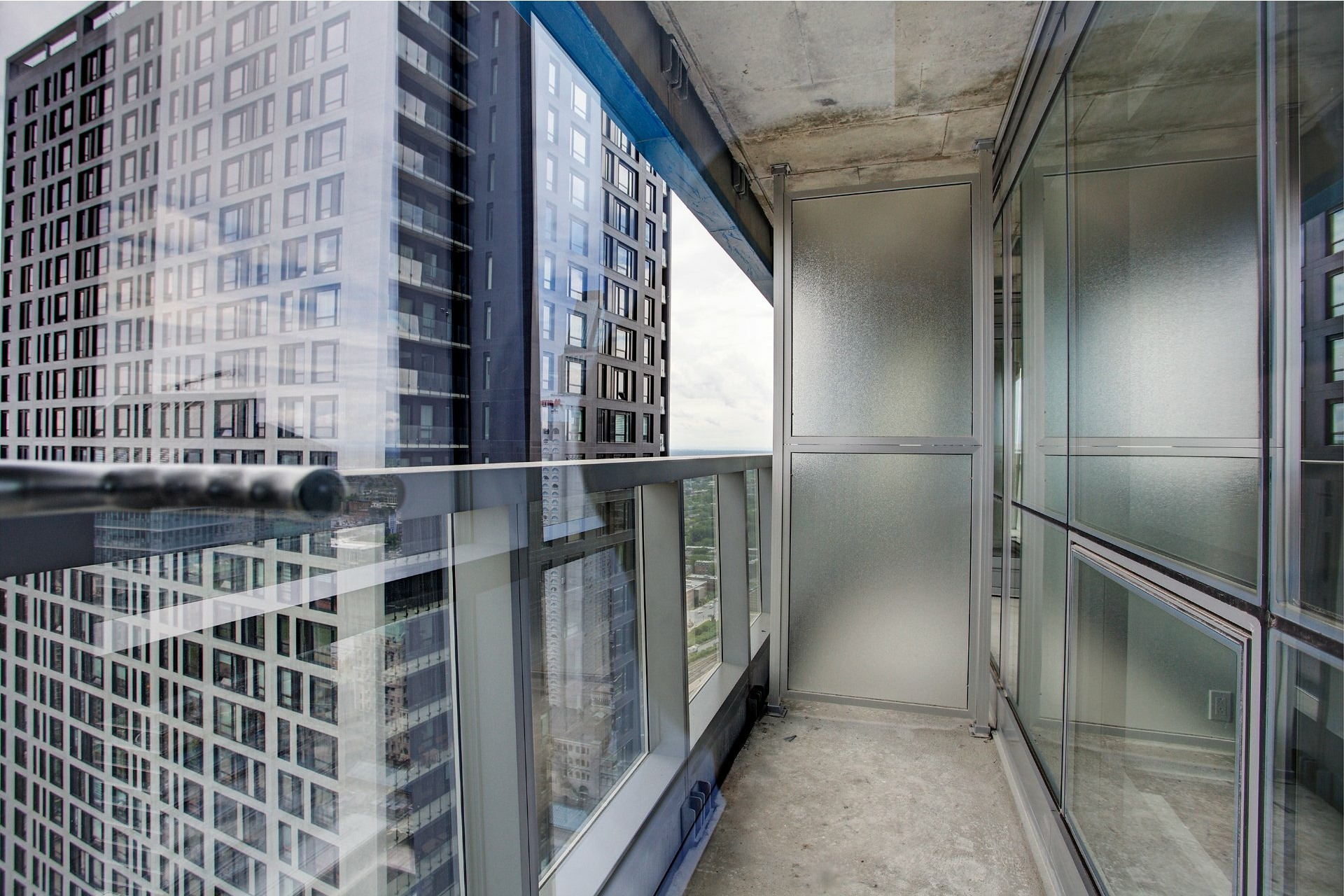 image 17 - Appartement À louer Ville-Marie Montréal  - 5 pièces