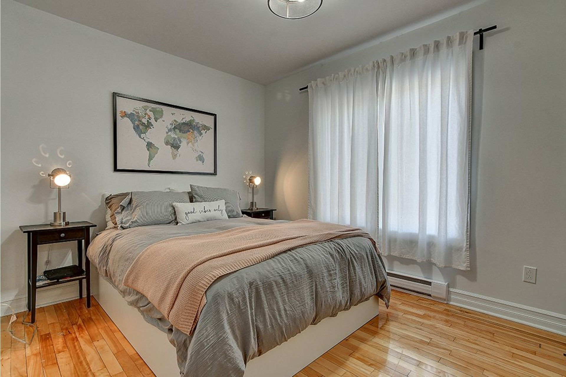 image 9 - Income property For sale Le Sud-Ouest Montréal  - 4 rooms