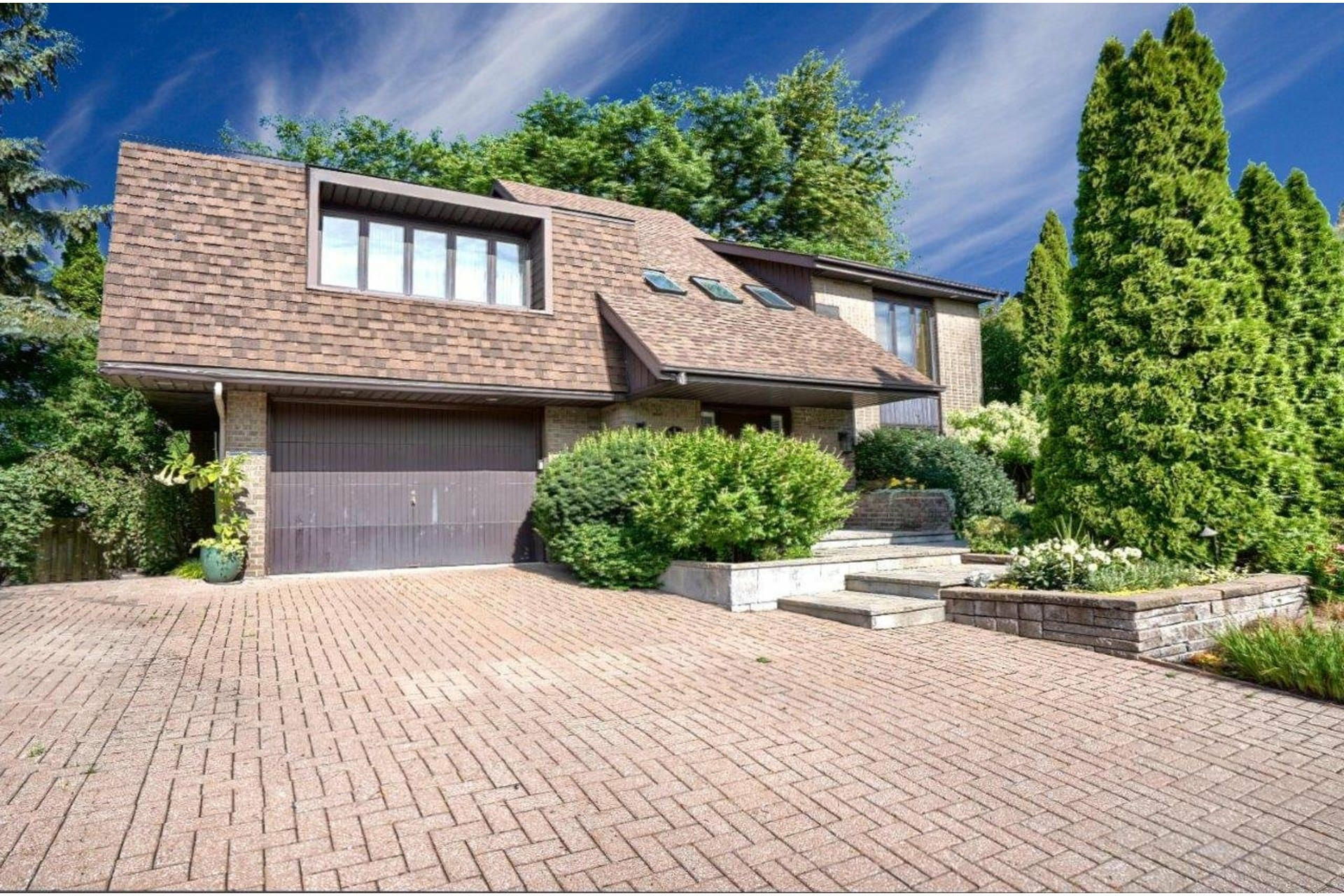 image 0 - House For sale Brossard - 10 rooms