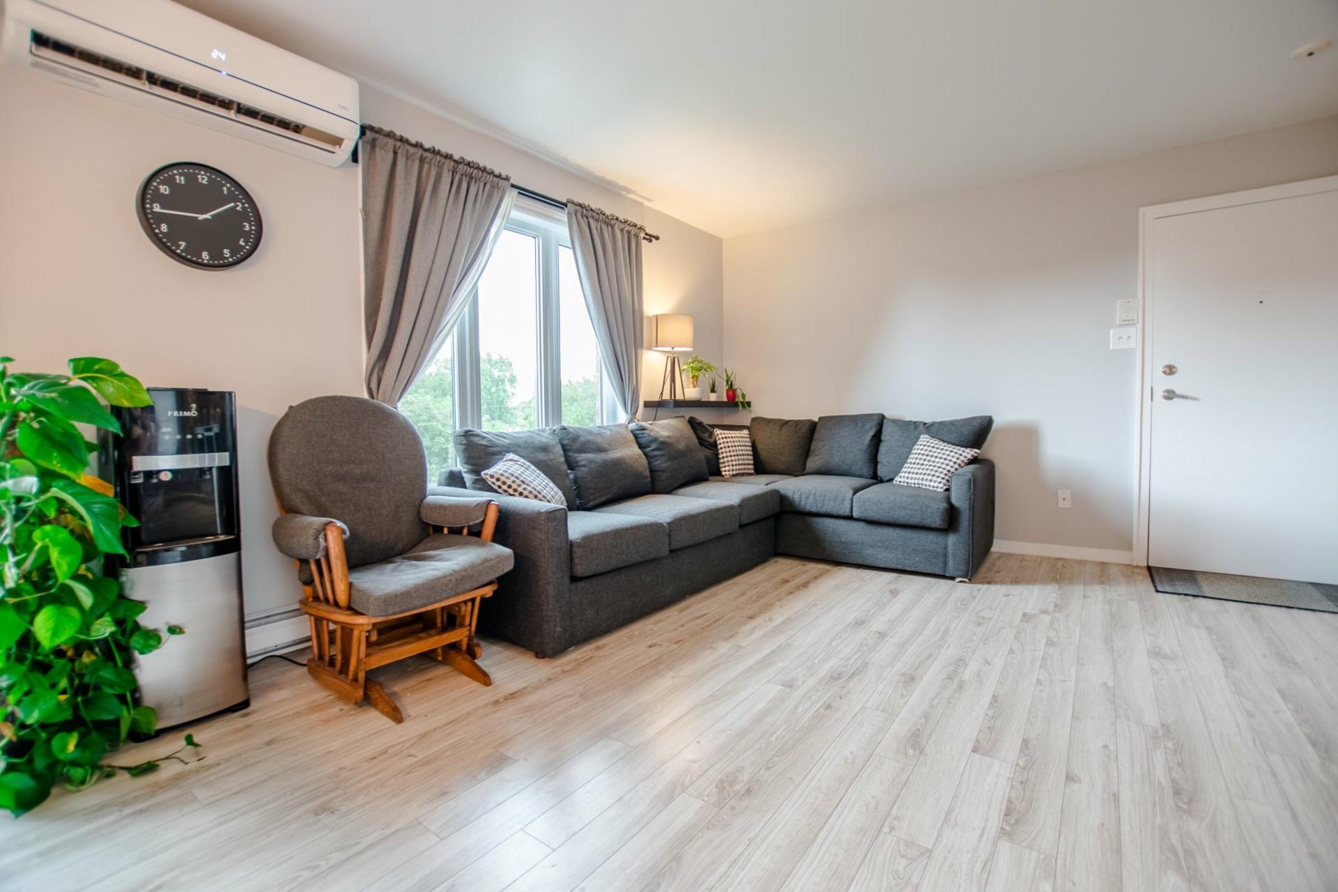 image 6 - Appartement À vendre Châteauguay - 5 pièces
