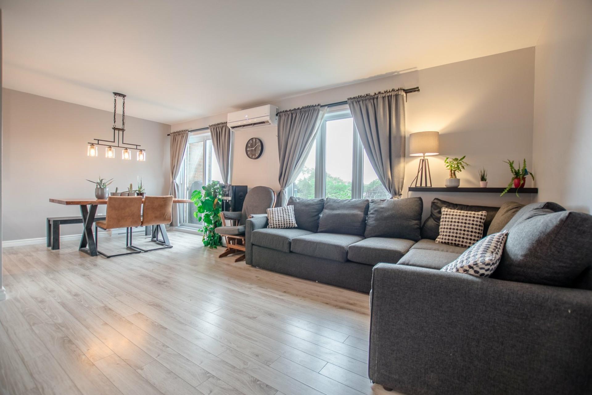 image 7 - Appartement À vendre Châteauguay - 5 pièces