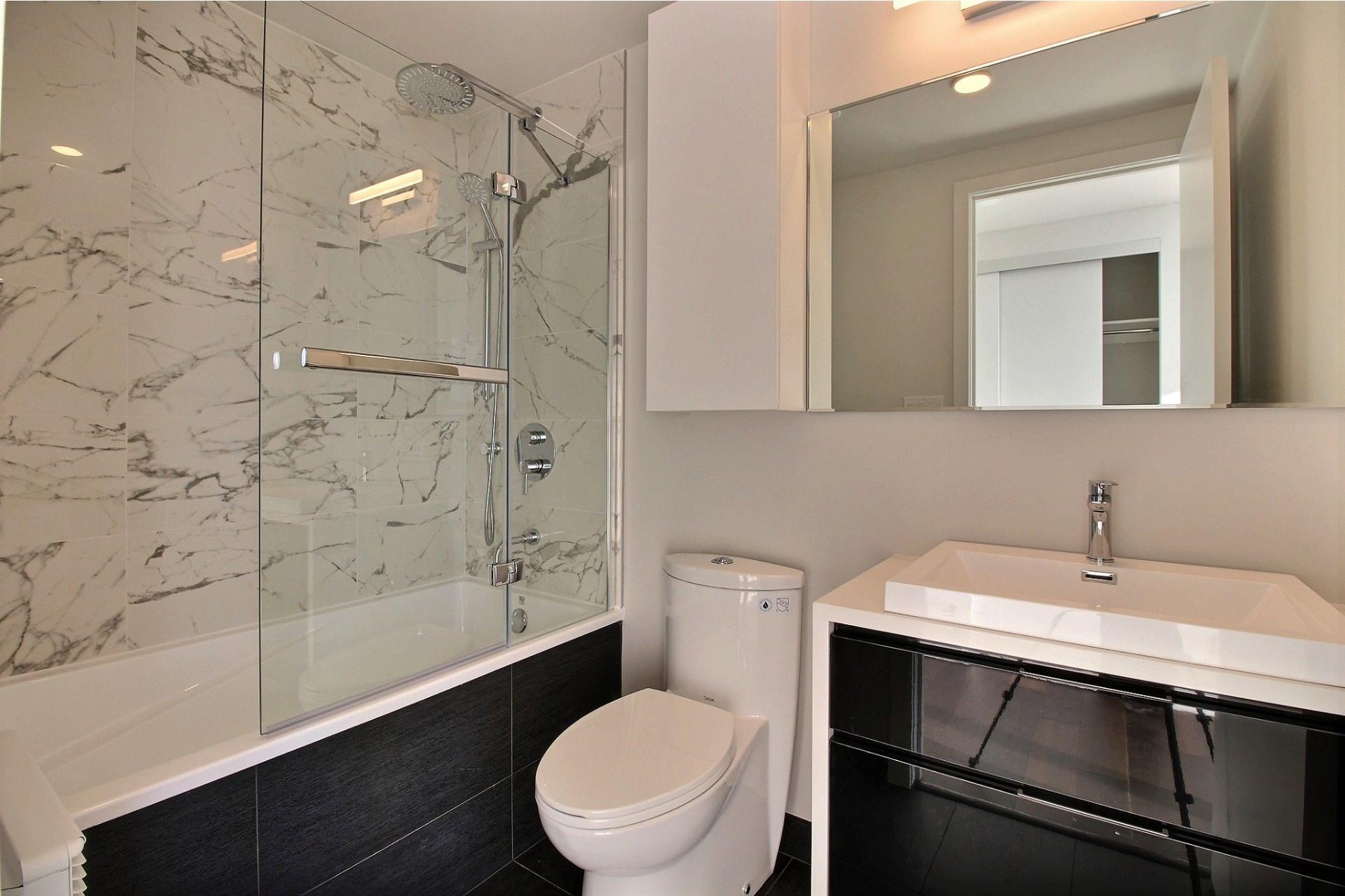 image 13 - Apartment For sale Ville-Marie Montréal  - 7 rooms