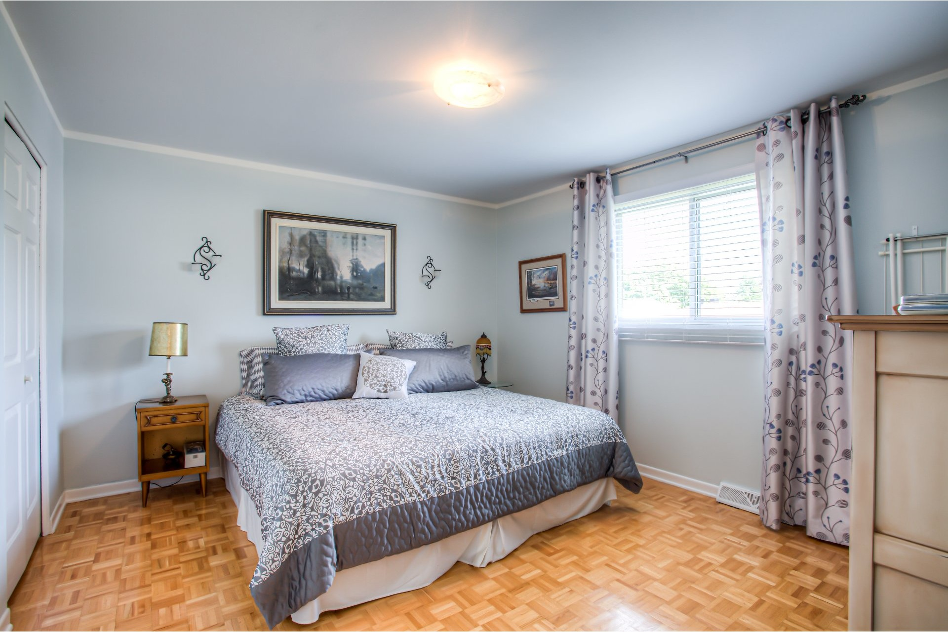 House For sale Kirkland - 16 rooms