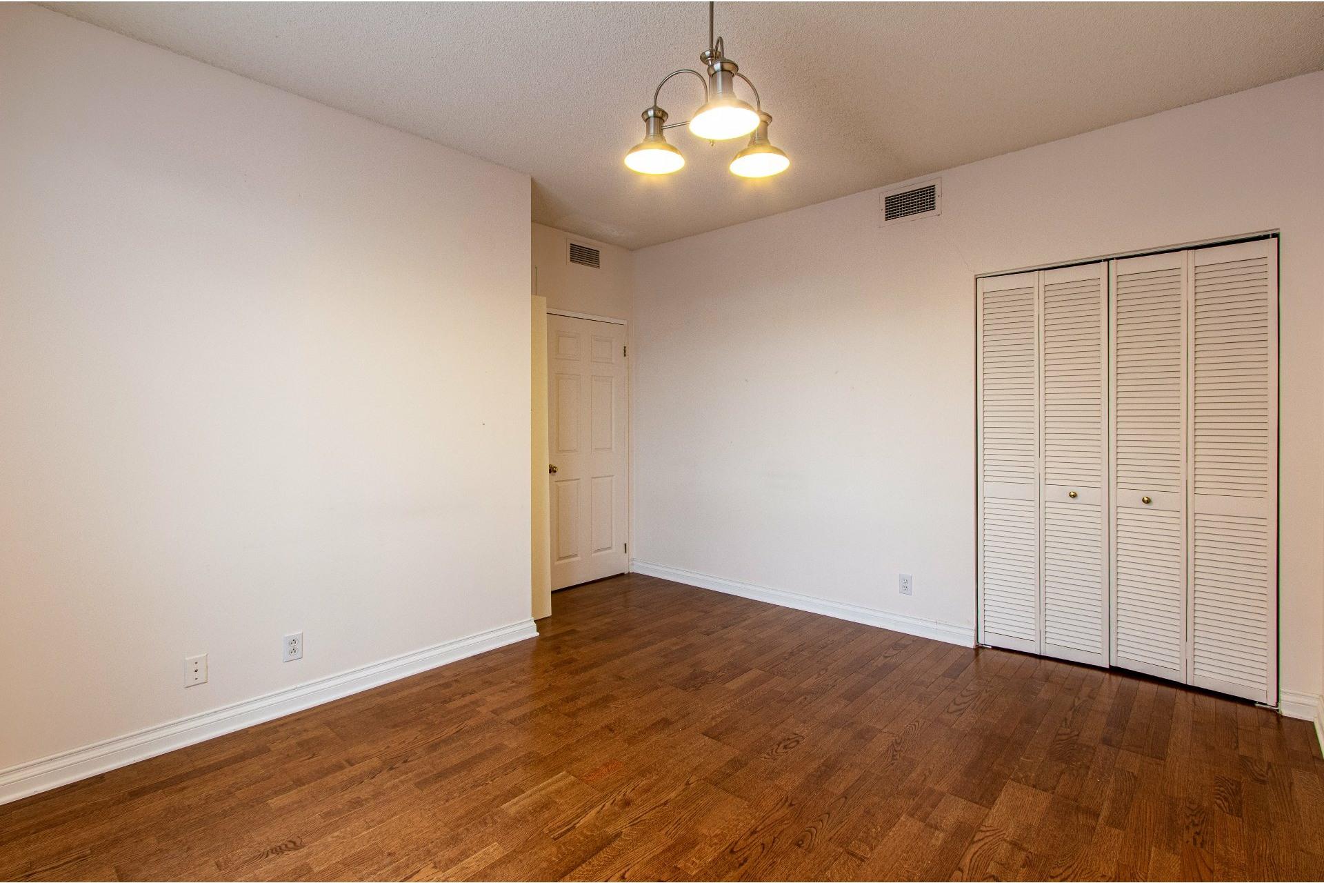 image 17 - Appartement À vendre Pointe-Claire - 8 pièces
