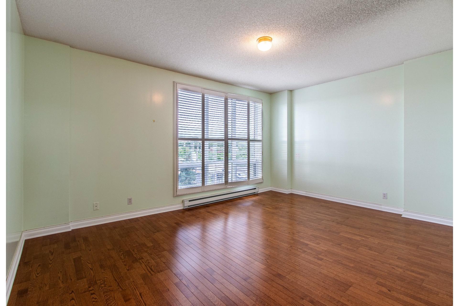 image 5 - Appartement À vendre Pointe-Claire - 8 pièces
