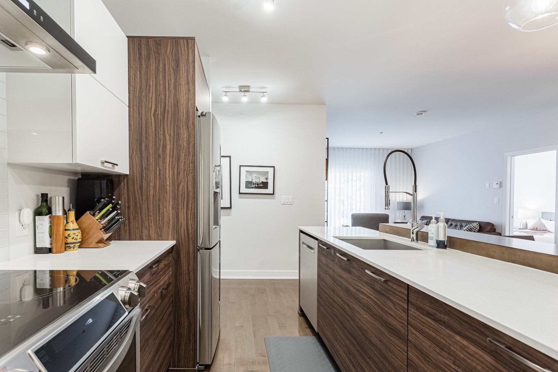 image 9 - Appartement À louer Rosemont/La Petite-Patrie Montréal  - 8 pièces