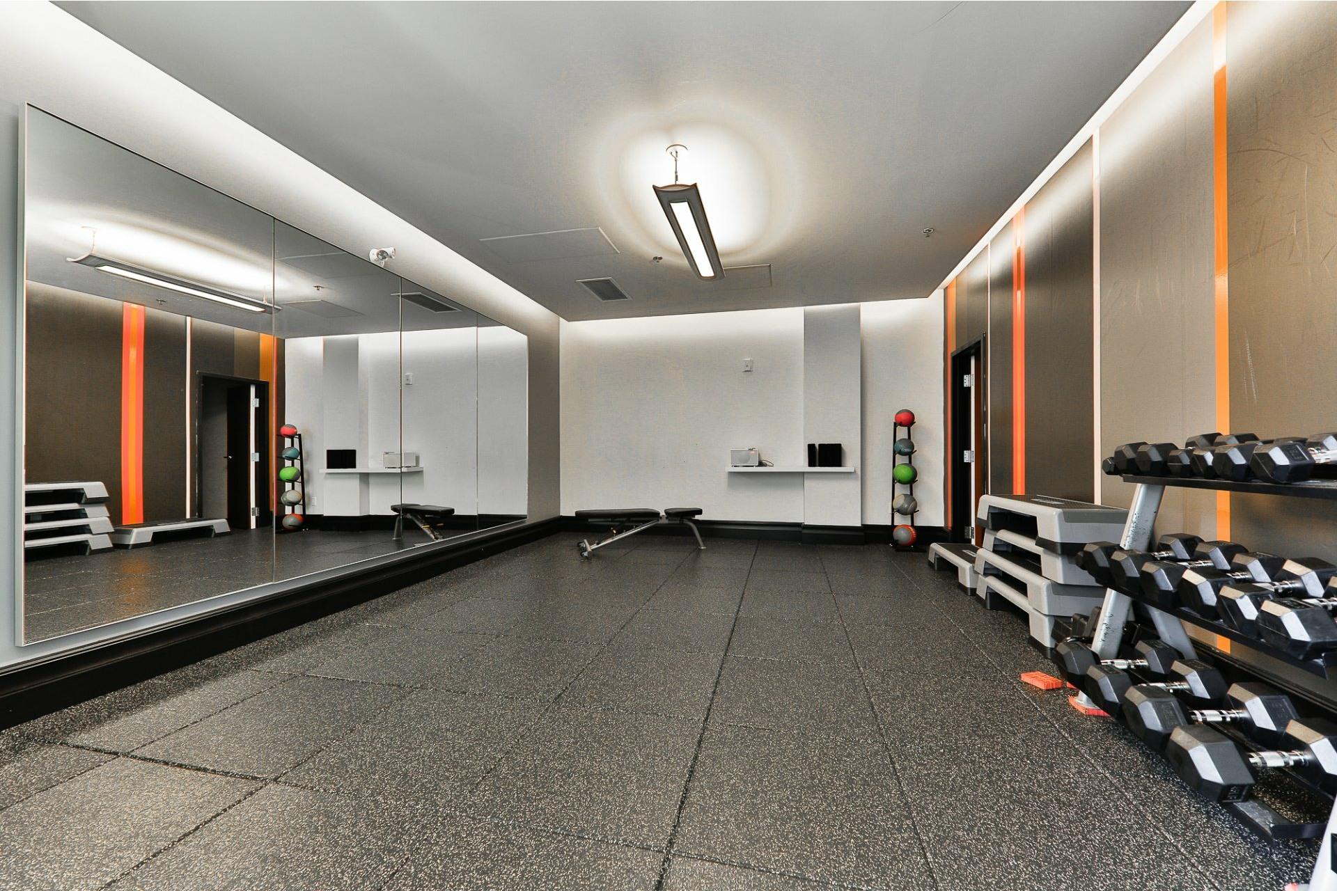 image 9 - Appartement À vendre Villeray/Saint-Michel/Parc-Extension Montréal  - 4 pièces