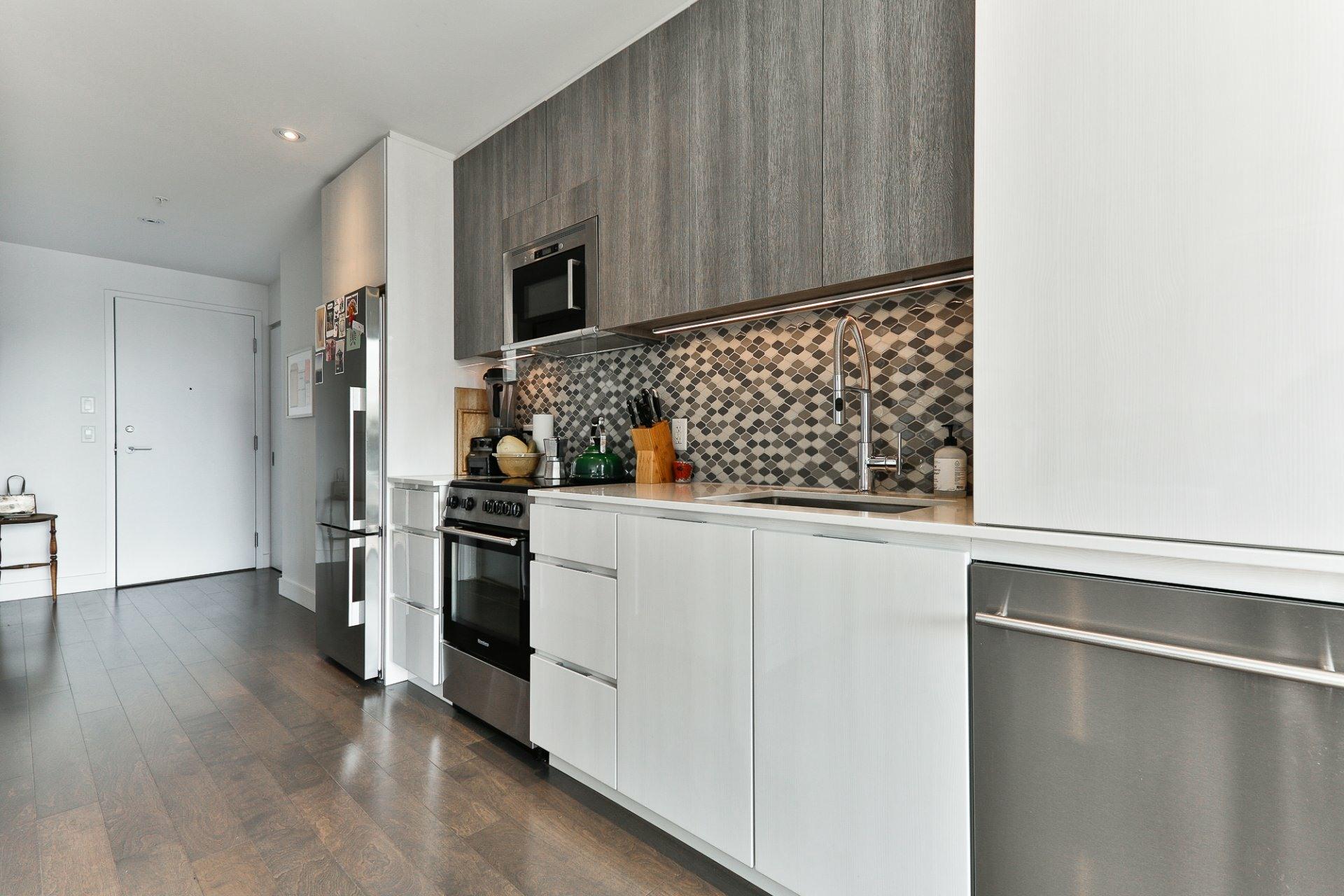 image 7 - Appartement À vendre Villeray/Saint-Michel/Parc-Extension Montréal  - 4 pièces