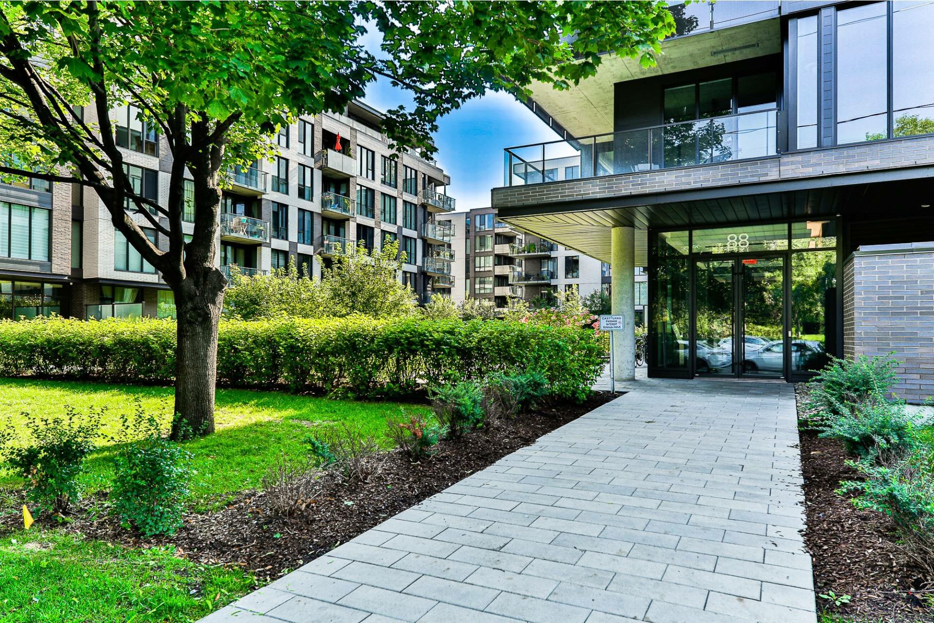 image 0 - Appartement À vendre Villeray/Saint-Michel/Parc-Extension Montréal  - 4 pièces