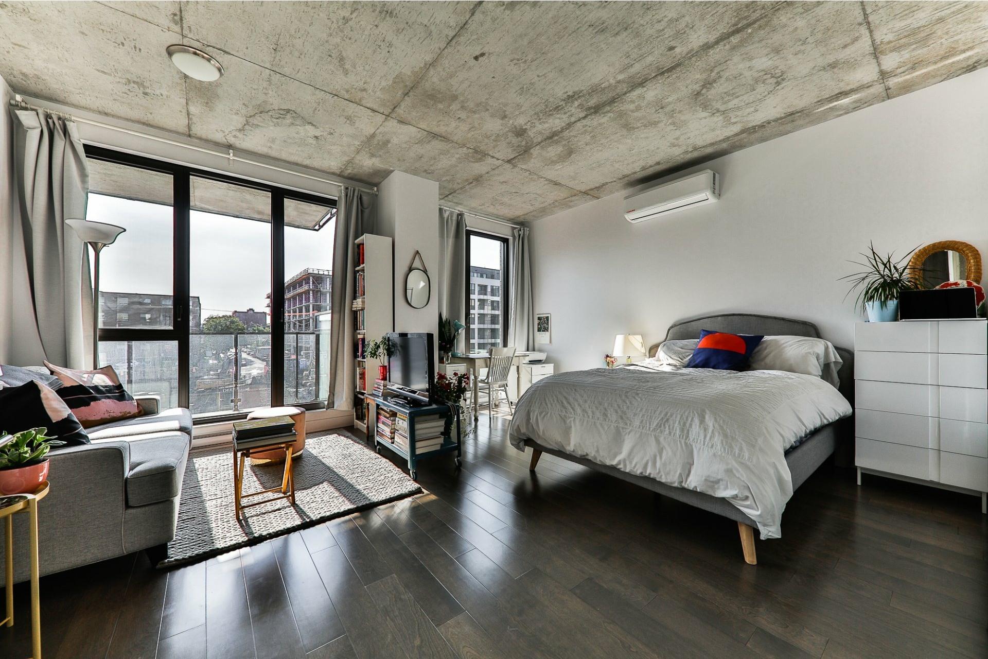 image 2 - Appartement À vendre Villeray/Saint-Michel/Parc-Extension Montréal  - 4 pièces