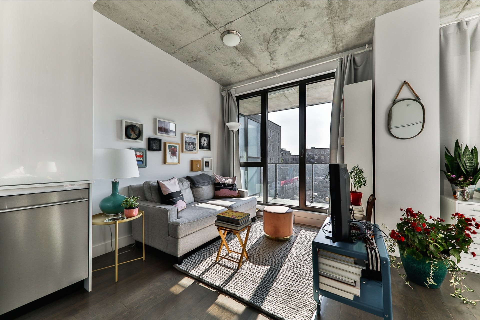 image 6 - Appartement À vendre Villeray/Saint-Michel/Parc-Extension Montréal  - 4 pièces