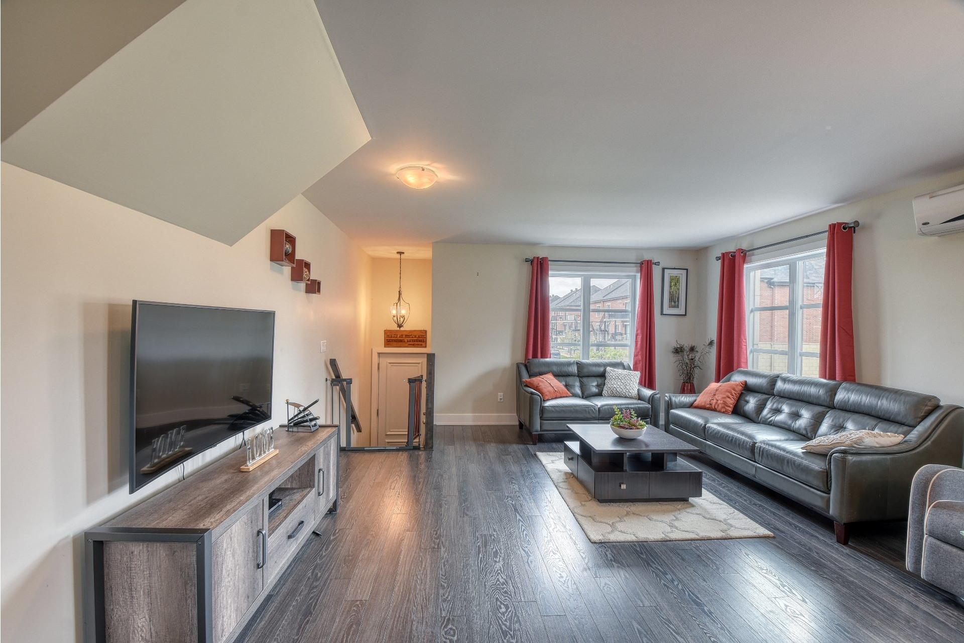 image 2 - Appartement À vendre Duvernay Laval  - 6 pièces