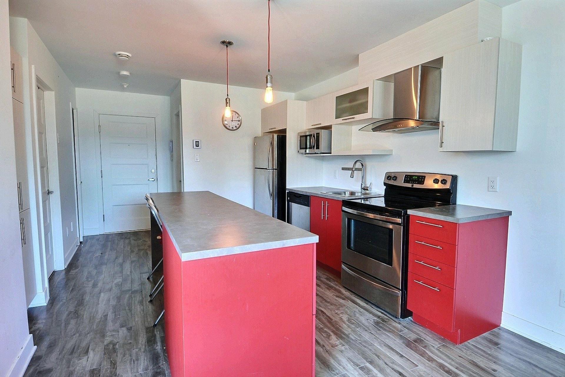 image 2 - Apartment For sale Sainte-Anne-des-Plaines - 4 rooms
