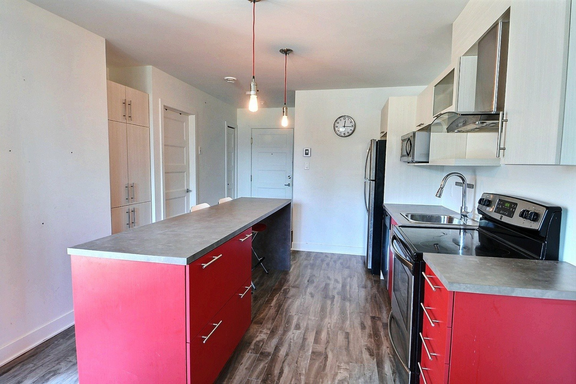 image 3 - Apartment For sale Sainte-Anne-des-Plaines - 4 rooms