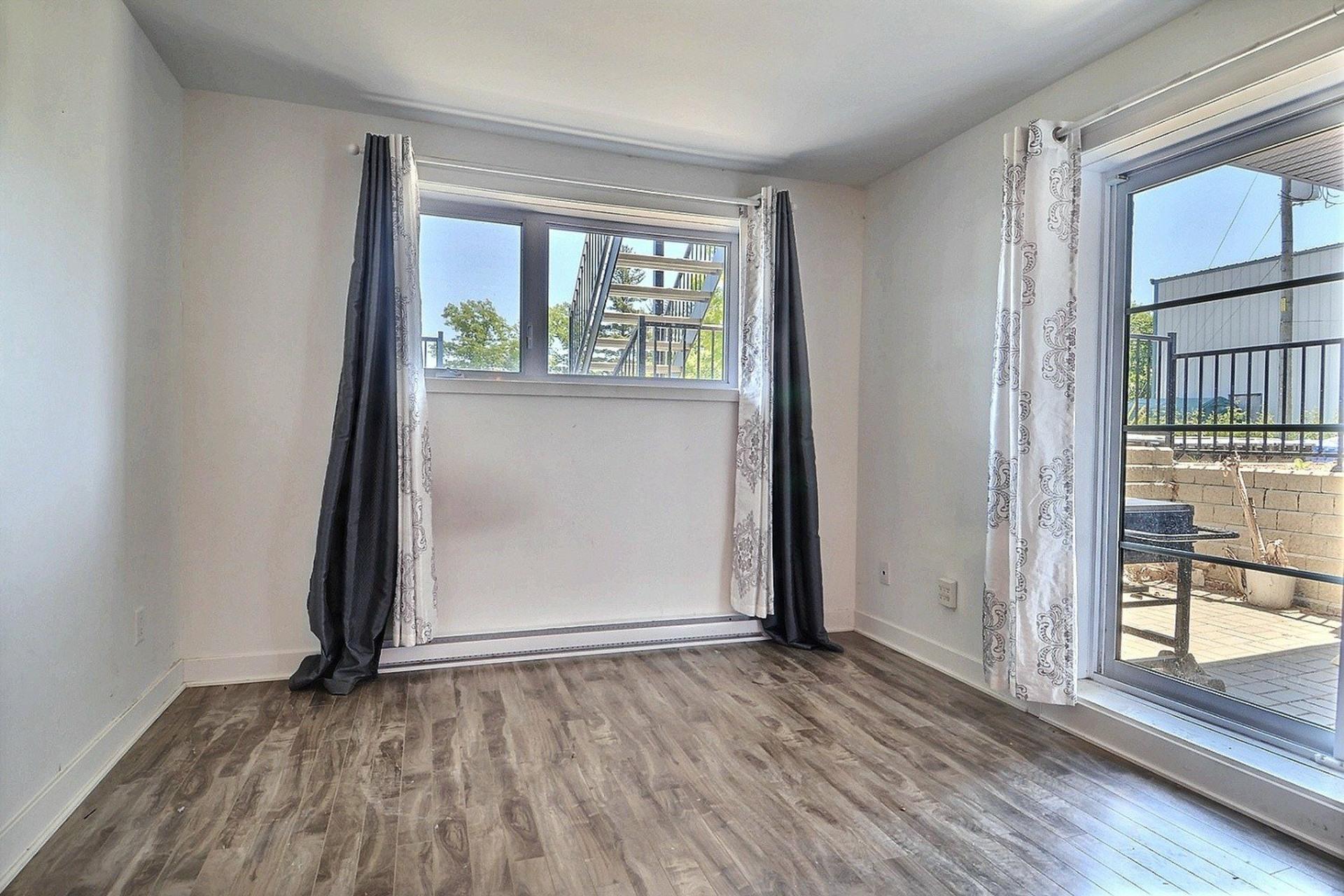 image 5 - Apartment For sale Sainte-Anne-des-Plaines - 4 rooms